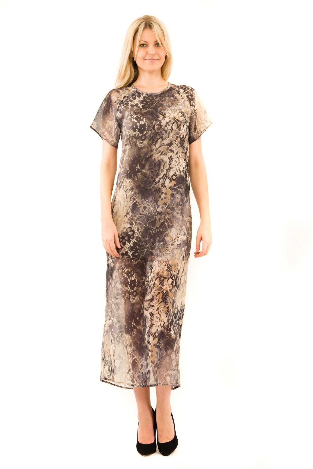 ПлатьеПлатья,  сарафаны<br>Элегантное шифоновое платье Doctor E . Модель имеет округлый вырез горловины. В этом платье Вы будете чувствовать себя невероятно комфортно в прямом свободном силуэте. Приятная на ощупь ткань с эффектом кружева делает это платье еще более привлекательным.<br><br>Цвет: серый<br>Состав: 100% полиэстер, подкладка-100% полиэстер<br>Размер: 40,42,44,46,48,52<br>Страна дизайна: Россия<br>Страна производства: Россия