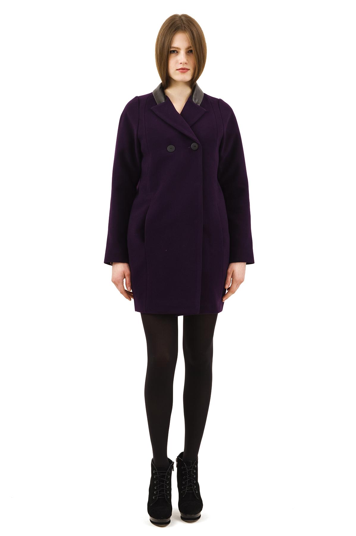 ПальтоЖенские куртки, плащи, пальто<br>Bосхитительный вариант для тех, кто предпочитает стильные решения - элегантное пальтоDoctor Eсдержанного модного дизайна, который подчеркнет Ваш безупречный вкус.<br><br>Цвет: фиолетовый<br>Состав: 15% шерсть, 2%эластан, 18%вискоза ,65% полиэстер<br>Размер: 42,44,46,48,50,52,54,56,58,60<br>Страна дизайна: Россия<br>Страна производства: Россия