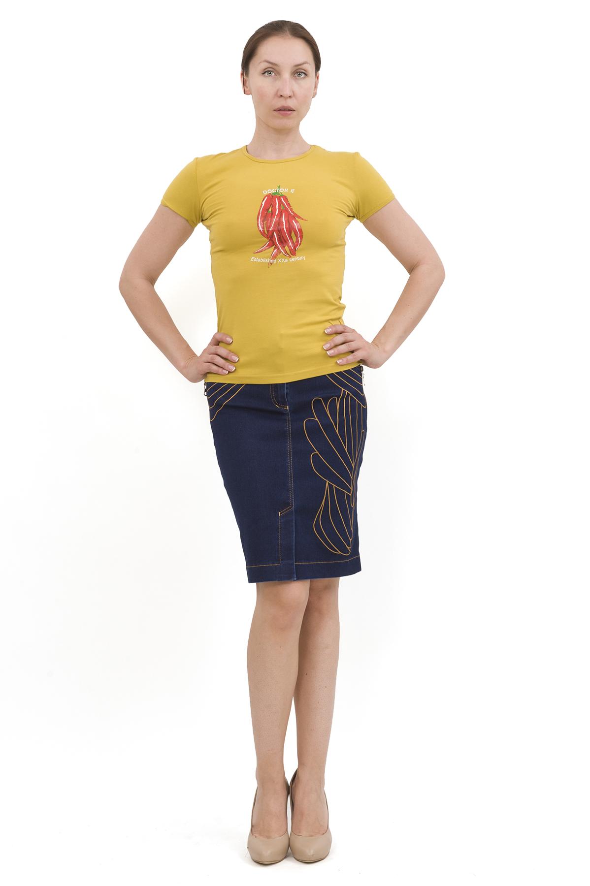 ФутболкаТрикотаж<br>Футболка – это удобный выбор на каждый день, поэтому она должна быть яркой и стильной, чтобы привнести в повседневный образ красок. Округлый вырез горловины, короткие рукава, эффектный принт - все это футболка Doctor E, из высококачественного трикотажа, н<br><br>Цвет: желтый<br>Состав: 92% хлопок, 8% лайкра<br>Размер: 40,42,44,46,48,50,52,54,56,58,60<br>Страна дизайна: Россия<br>Страна производства: Россия