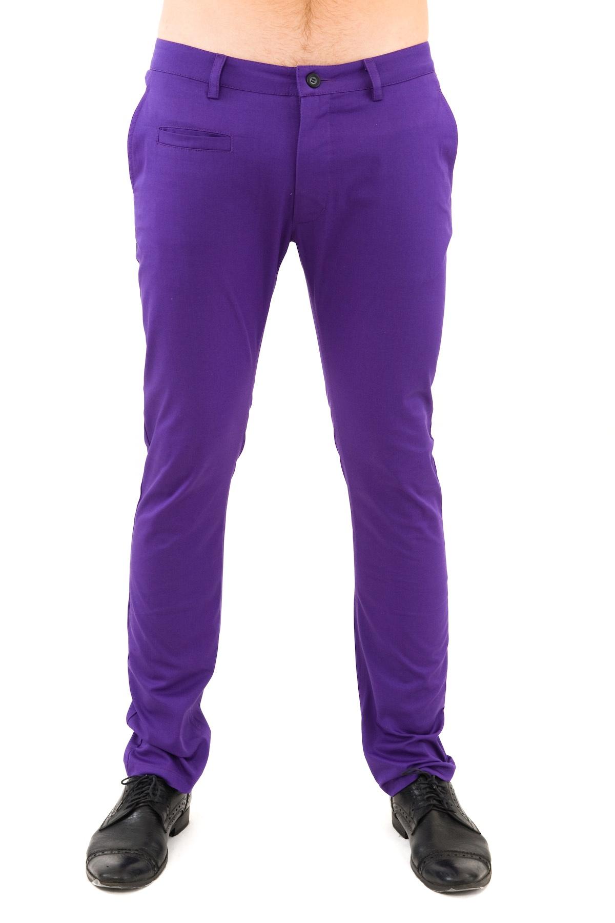 БрюкиБрюки, джинсы, шорты от производителя<br>Актуальные мужские брюки Doctor E. Комфорт, удобство, стиль - далеко не все преимущества данного предмета гардероба. Модель с брючинами прямого покроя. Дополнена карманами различного типа. На поясе предусмотрены шлевки для ремня. Брюки будут отлично сочет<br><br>Цвет: фиолетовый<br>Состав: 97% хлопок, 3% лайкра<br>Размер: 44,46,48,50,52,54<br>Страна дизайна: Россия<br>Страна производства: Россия