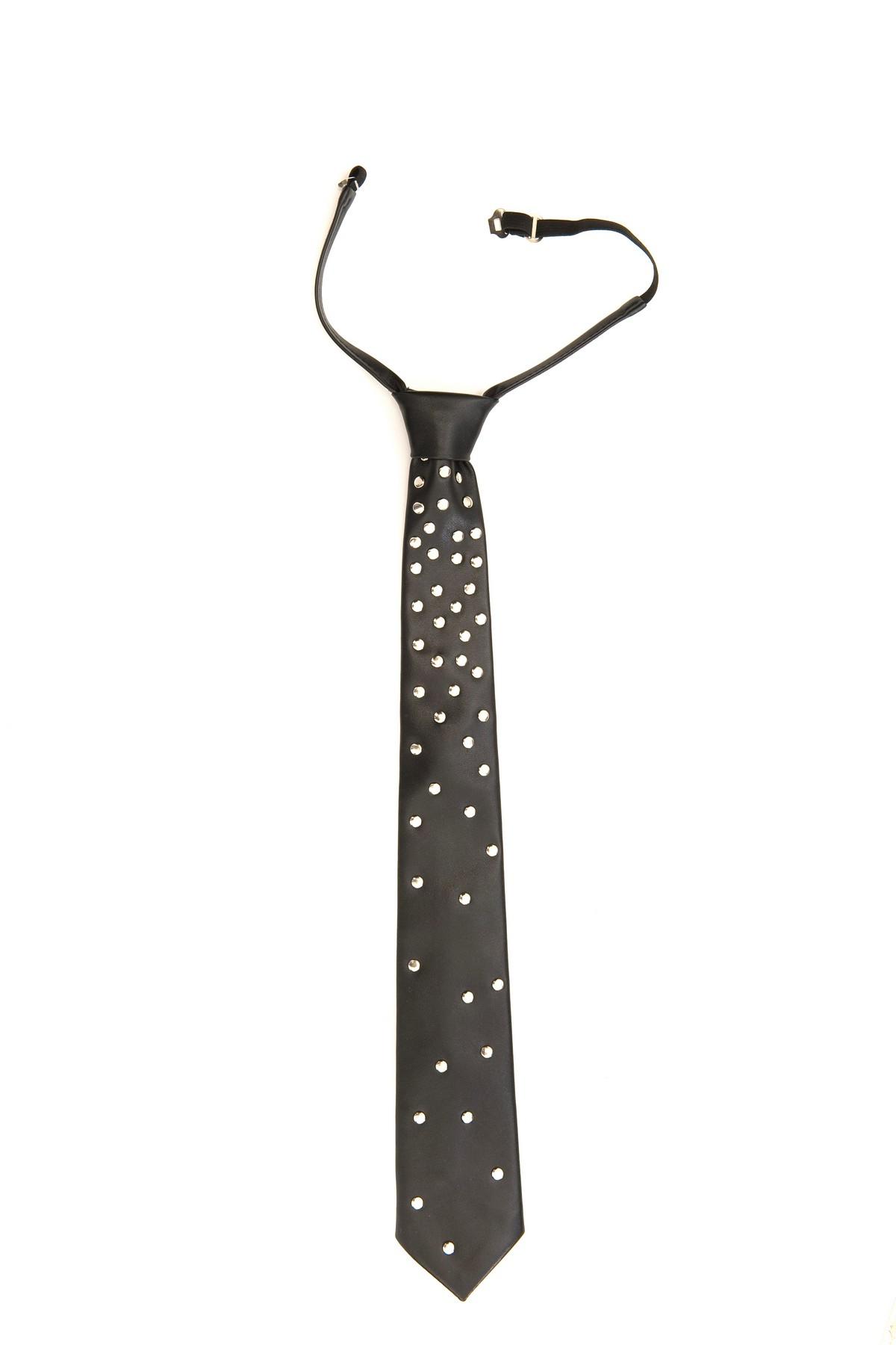 ГалстукАксессуары <br>Почувствуйте себя креативным, модным мужчиной, украшая свой вариант одежды таким  экстравагантным галстуком.<br><br>Цвет: черный<br>Состав: 53%полиуретан, 47%полиэстер<br>Страна дизайна: Россия<br>Страна производства: Россия
