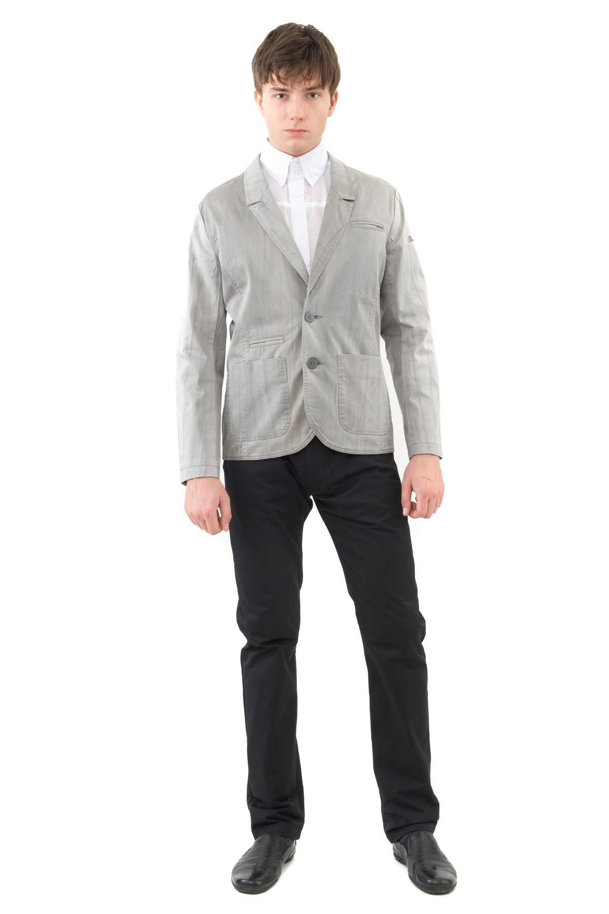 ПиджакПиджаки, жилеты<br>Модный, экстравагантный представитель сильного пола выбирает качественный, стильный пиджак с отложным воротником, застежкой на пуговицы. Изделие выполнено в приятной однотонной расцветке, отлично сочетающейся с джинсами и брюками.<br><br>Цвет: серый<br>Состав: 48% хлопок, 48% полиэстер, 4% эластан<br>Размер: 48,50<br>Страна дизайна: Россия<br>Страна производства: Россия