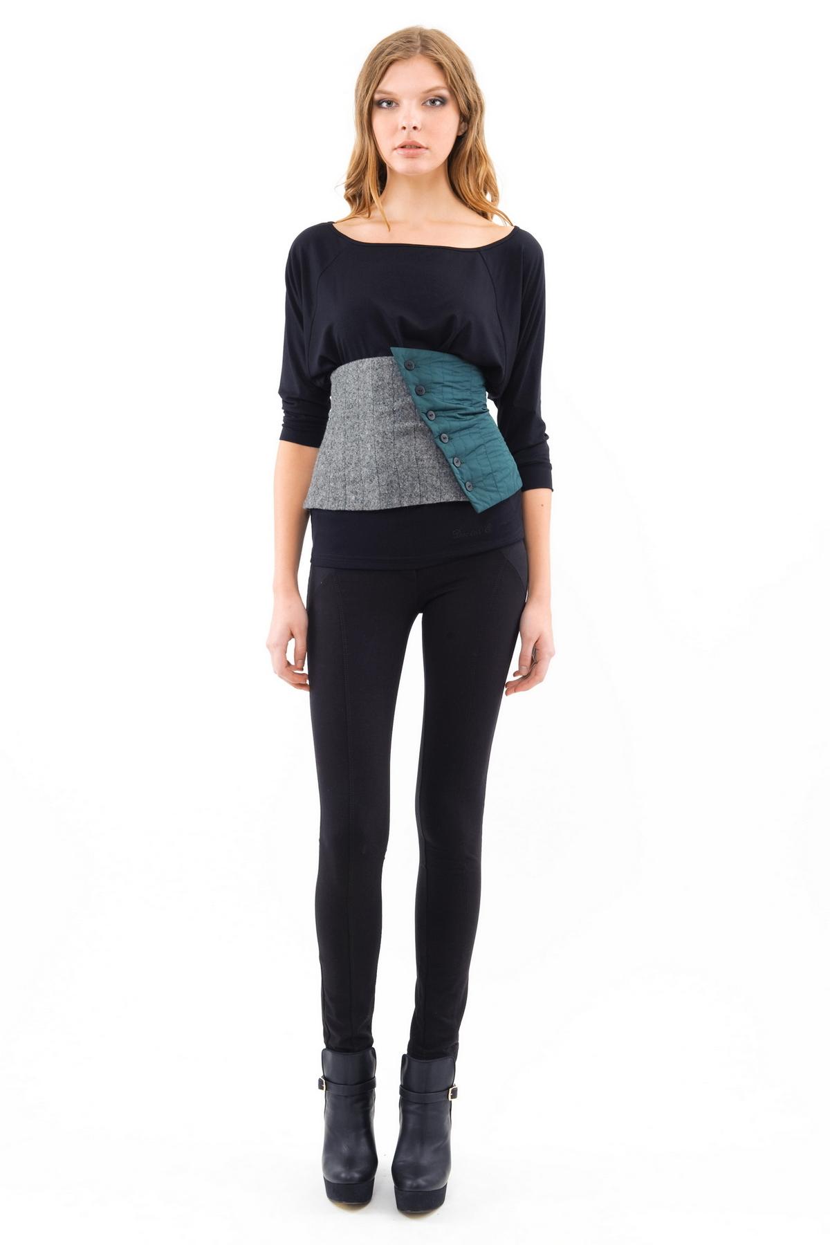 ЖилетЖакеты, жилеты<br>Стильный жилет от марки Doctor E! Оригинальное исполнение поразит Вас.  Вы можете его сочетать с подходящими брюками, юбками или же одевать как самостоятельный элемент гардероба .Приталенный покрой подчеркнет женственность силуэта и скроет недостатки фигу<br><br>Цвет: серый,зеленый<br>Состав: ткань1-100%полиэстер, ткань 2- 70%шерсть, 30%полиэстер, подкладка-100%полиэстер<br>Размер: 44,46,48,50,52,54,56<br>Страна дизайна: Россия<br>Страна производства: Россия