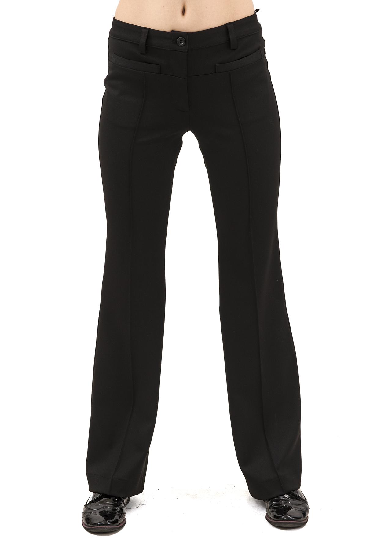 БрюкиЖенские юбки и брюки<br>Брюки – это всегда обворожительно и сексуально. Практичные, удобные, красивые и универсальные. Брюки – необходимый элемент женского гардероба, который позволит Вам выглядеть превосходно в любой ситуации.<br><br>Цвет: черный<br>Состав: 70% полиэстер, 25% вискоза, 5% эластан<br>Размер: 48,50<br>Страна дизайна: Россия<br>Страна производства: Россия