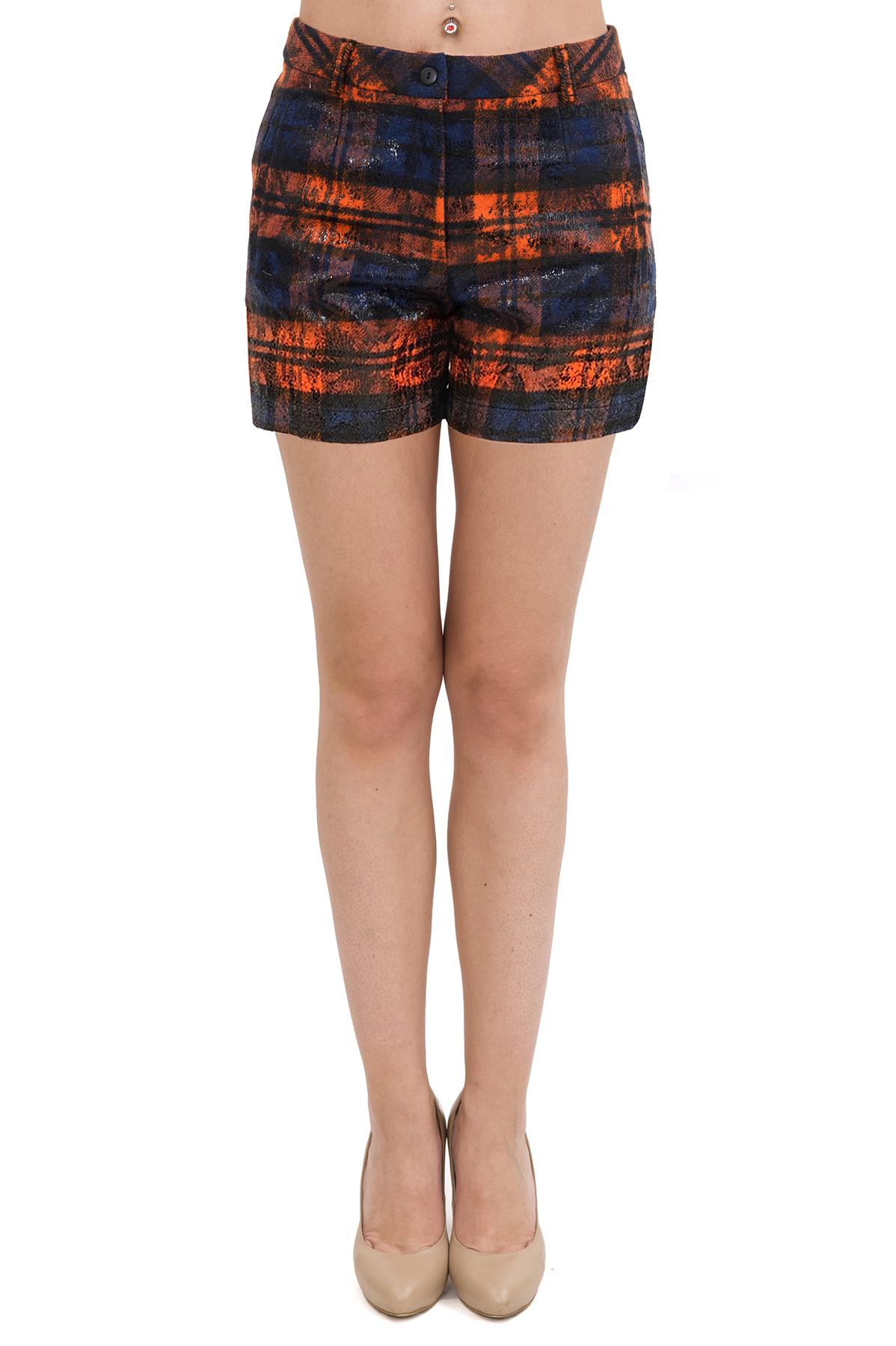 ШортыЖенские юбки и брюки<br>Великолепные шорты из шерсти с застежкой на молнию и пуговицу. Великолепное изделие разнообразит Ваш осенне-зимний гардероб.<br><br>Цвет: черный,оранжевый<br>Состав: 70% шерсть, 20% полиэстер, 10% акрил<br>Размер: 40,42,44,46,48<br>Страна дизайна: Россия<br>Страна производства: Россия