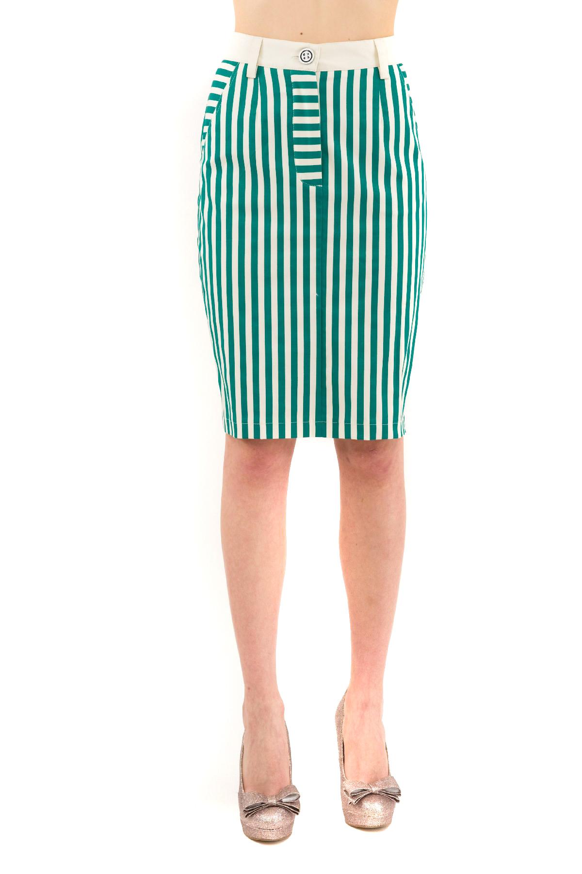 ЮбкаЖенские юбки и брюки<br>Любишь быть в центре внимания? Значит, эта элегантная дизайнерская юбка создана специально для тебя!Яркая, стильная юбка, отвечающая последним fashion- тенденциям, создана для девушек, разбирающихся в модных новинках.<br><br>Цвет: молочный,синий<br>Состав: 97% хлопок, 3% лайкра<br>Размер: 40,42,44<br>Страна дизайна: Россия<br>Страна производства: Россия