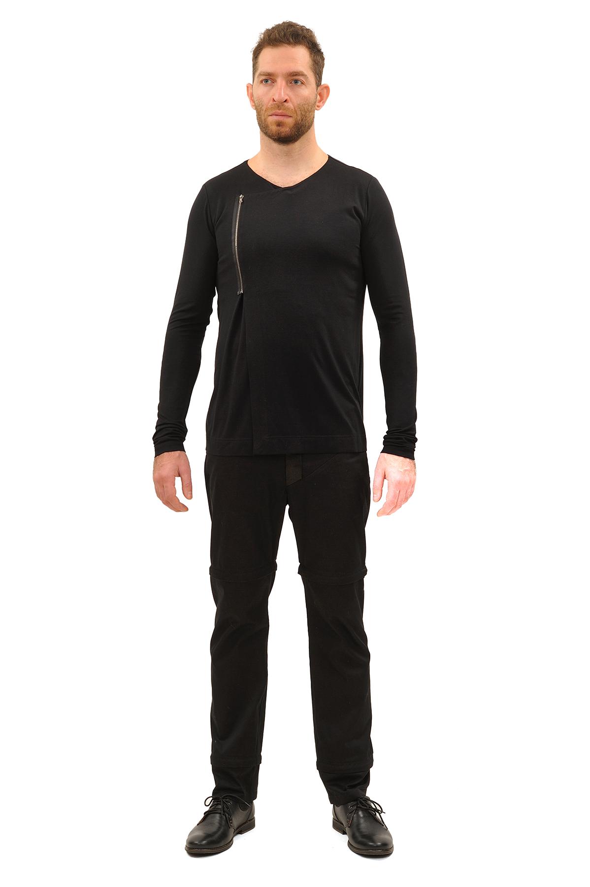 ЛонгсливМужские футболки, джемпера<br>Лонгслив бренда Pavel Yerokin выполнен из вискозного материала. Особенности: прямой крой, асимметричная застежка-молния.<br><br>Цвет: черный<br>Состав: Вискоза - 92%, Лайкра - 8%<br>Размер: 44,46,48,50,52<br>Страна дизайна: Россия<br>Страна производства: Россия