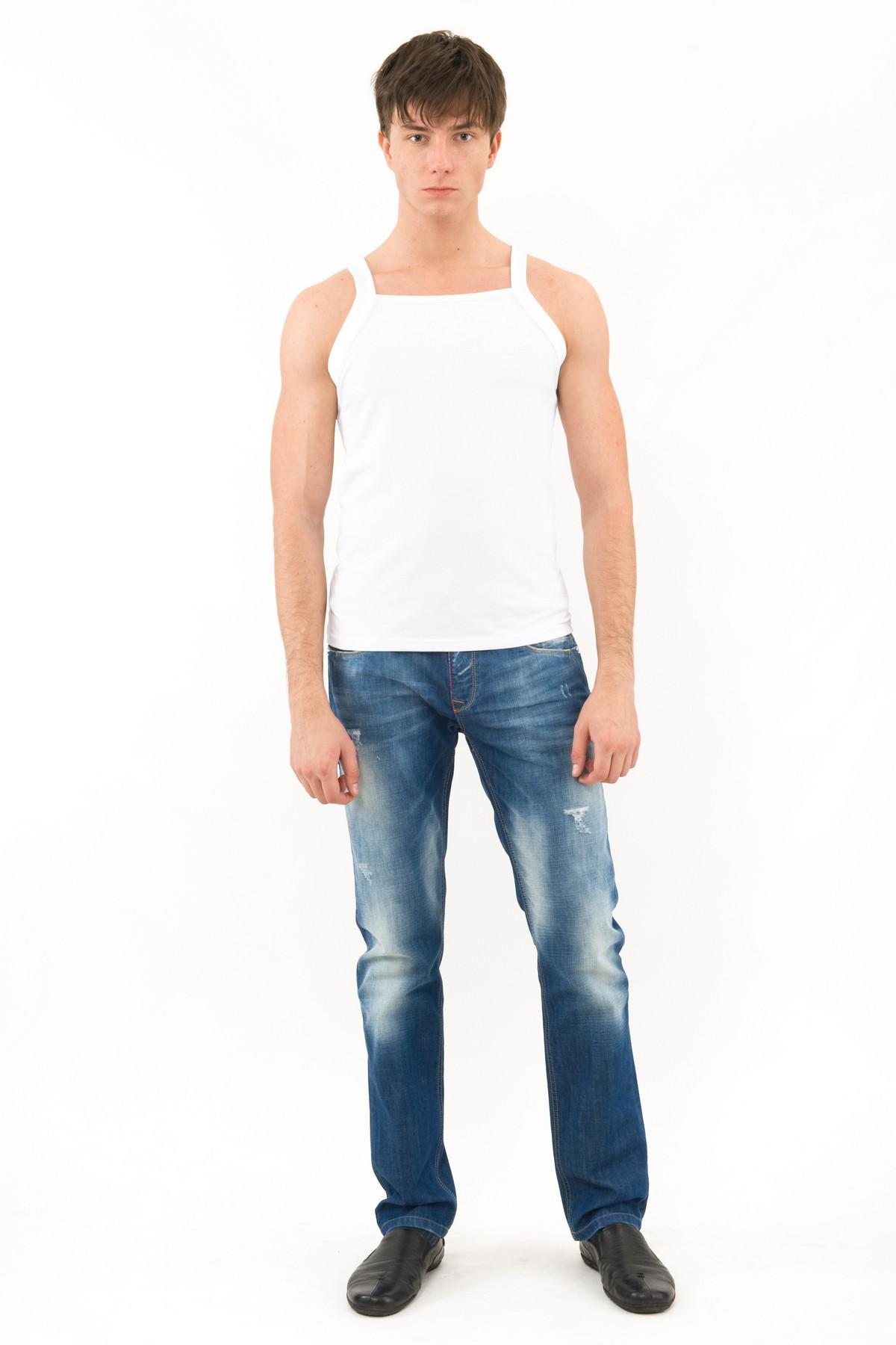 МайкаМужские футболки, джемпера<br>Майкамужская . Выполнена из высококачественного трикотажа, не вытягивается после стирок, не линяет и не покрывается катышками.<br><br>Цвет: белый<br>Состав: 92% хлопок, 8% лайкра<br>Размер: 50,52,54<br>Страна дизайна: Россия<br>Страна производства: Россия