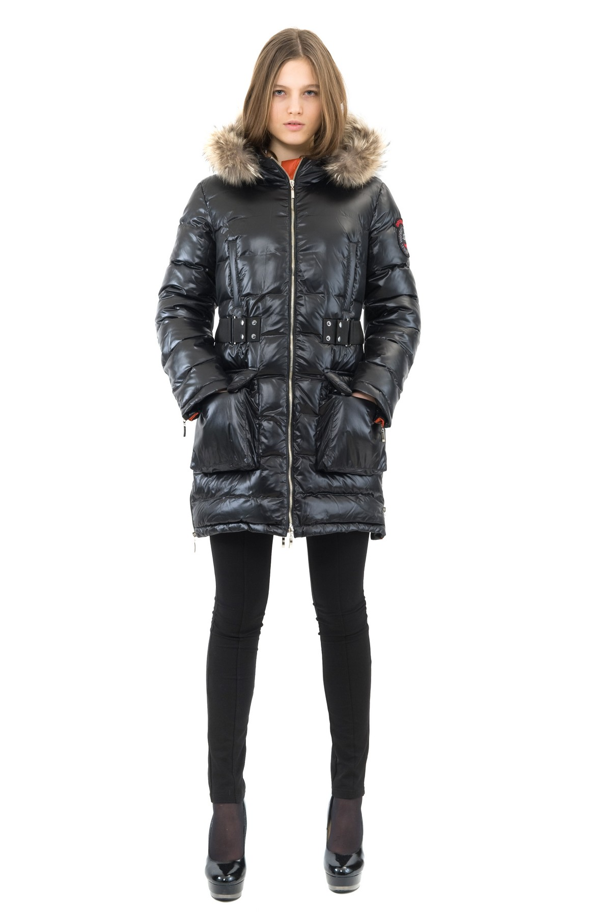 ПуховикЗимние куртки, пальто, пуховики<br>Если Вы любите тепло и уют, тогда Вам идеально подойдет этот замечательный пуховик. Утеплитель из высококачественного Российского пуха обеспечивает хорошую терморегуляцию и максимальный уровень комфорта. Модель выполнена из ветронепродуваемой, водоотталки<br><br>Цвет: черный,оранжевый<br>Состав: ткань - 100% полиэстер,подкладка - 100% полиэстер,утеплитель:100% пух<br>Размер: 50<br>Страна дизайна: Россия<br>Страна производства: Россия
