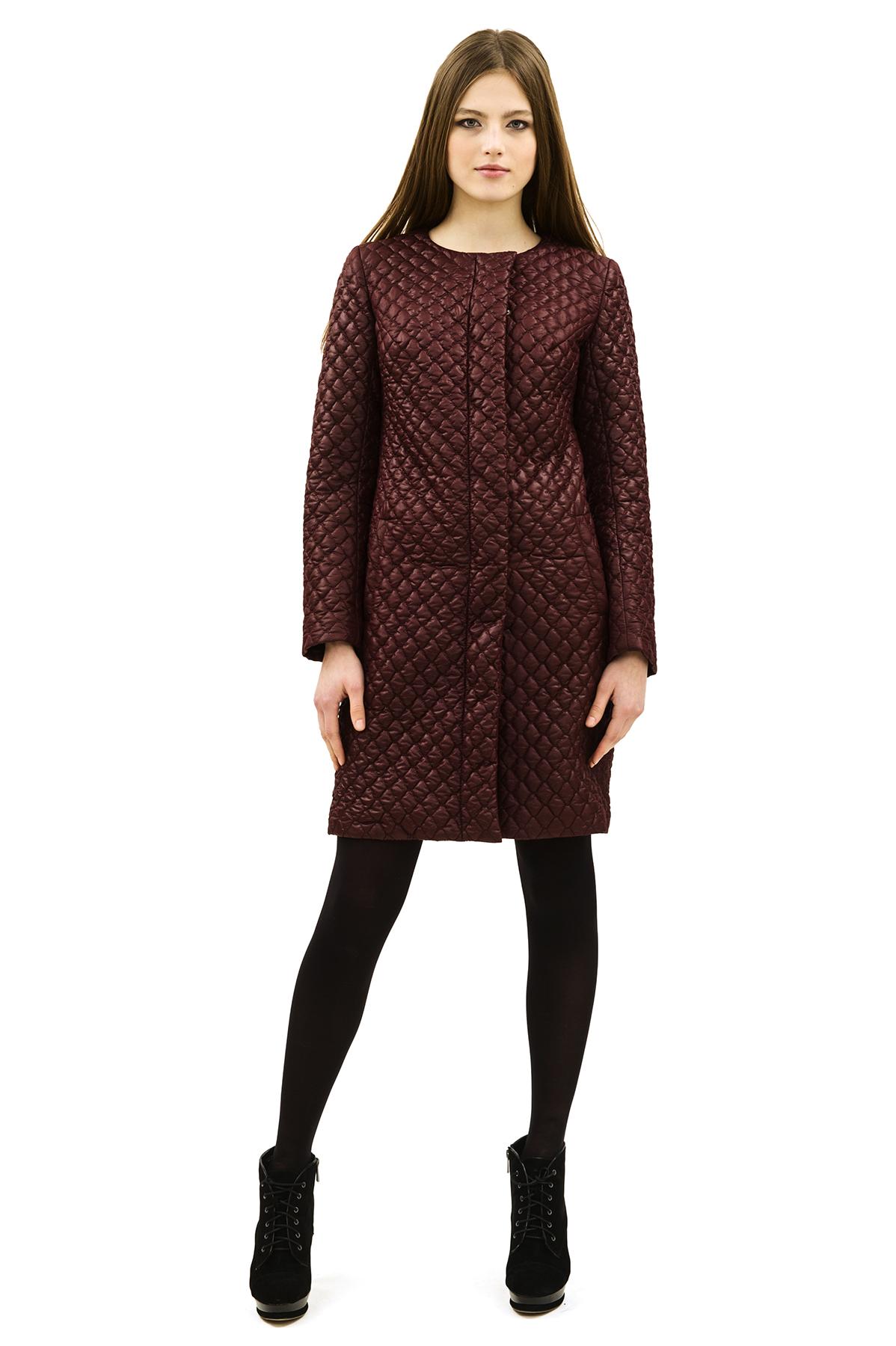 ПальтоЖенские куртки, плащи, пальто<br>Bосхитительный вариант для тех, кто предпочитает стильные решения - элегантное пальтоDoctor Eсдержанного модного дизайна, который подчеркнет Ваш безупречный вкус.<br><br>Цвет: бордовый<br>Состав: 100% полиэстер, подкладка- 100% полиэстер<br>Размер: 40,42,44,46,50,52,54,58,60<br>Страна дизайна: Россия<br>Страна производства: Россия