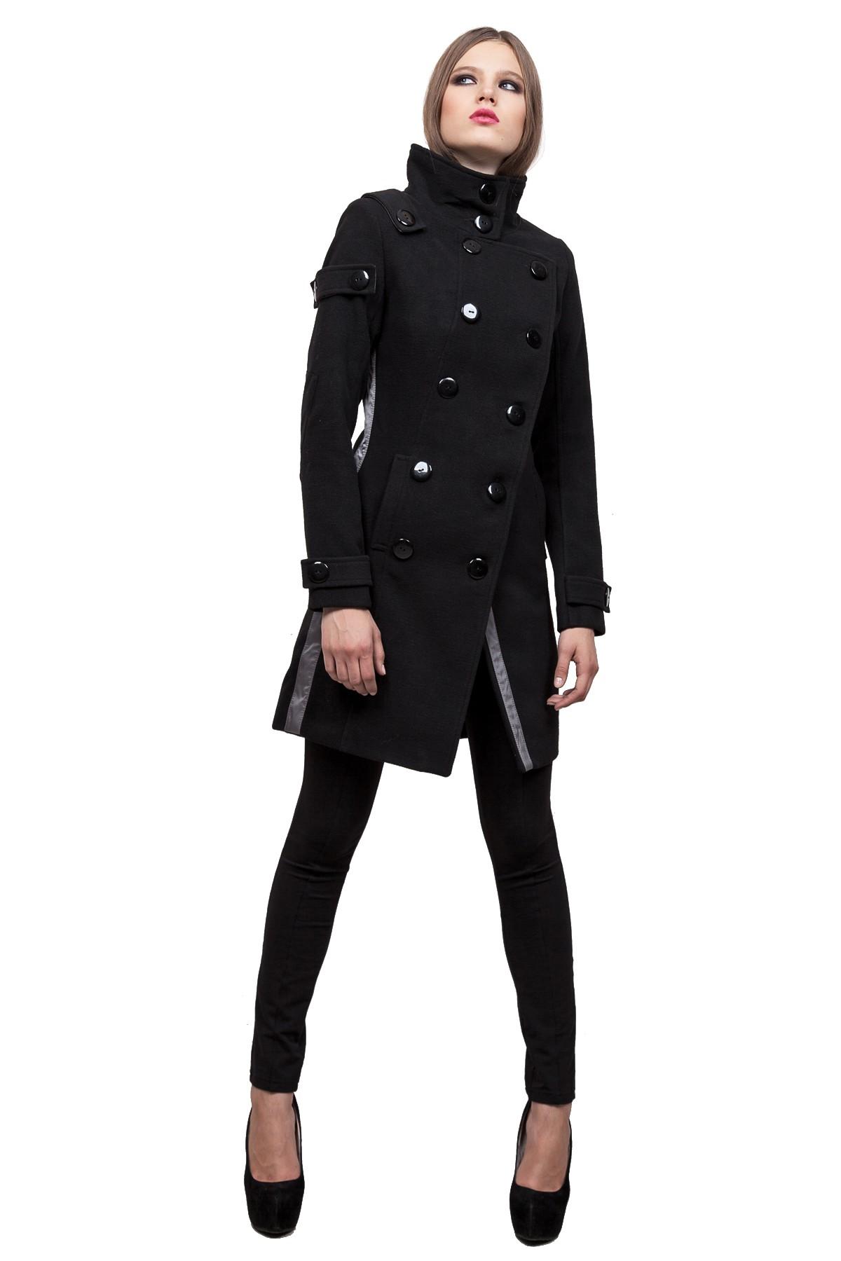 ПальтоЖенские куртки, плащи, пальто<br>Классическое пальто в современном исполнении. Двубортная застежка придает модели строгий вид, а косые линии кроя - уникальность и эксклюзивность. Создаст строгий уверенный образ и согреет Вас в прохладную погоду.<br><br>Цвет: зеленый<br>Состав: ткань - 64%полиэстер, 31% вискоза, 5% лайкра, утеплитель - 100%полиэстер, подкладка - 100%полиэстер<br>Размер: 50,52,54,56<br>Страна дизайна: Россия<br>Страна производства: Россия