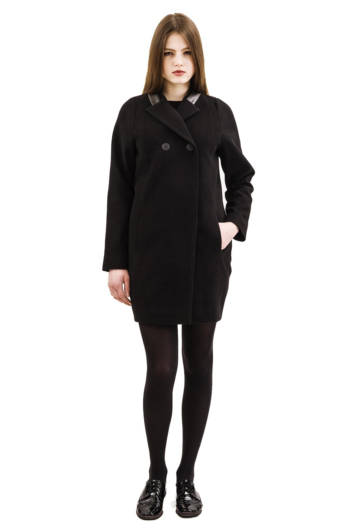 ПальтоЖенские куртки, плащи, пальто<br>Bосхитительный вариант для тех, кто предпочитает стильные решения - элегантное пальтоDoctor Eсдержанного модного дизайна, который подчеркнет Ваш безупречный вкус.<br><br>Цвет: черный<br>Состав: 15% шерсть, 2%эластан, 18%вискоза ,65% полиэстер<br>Размер: 40,44,48,50,52,54,56,58,60<br>Страна дизайна: Россия<br>Страна производства: Россия