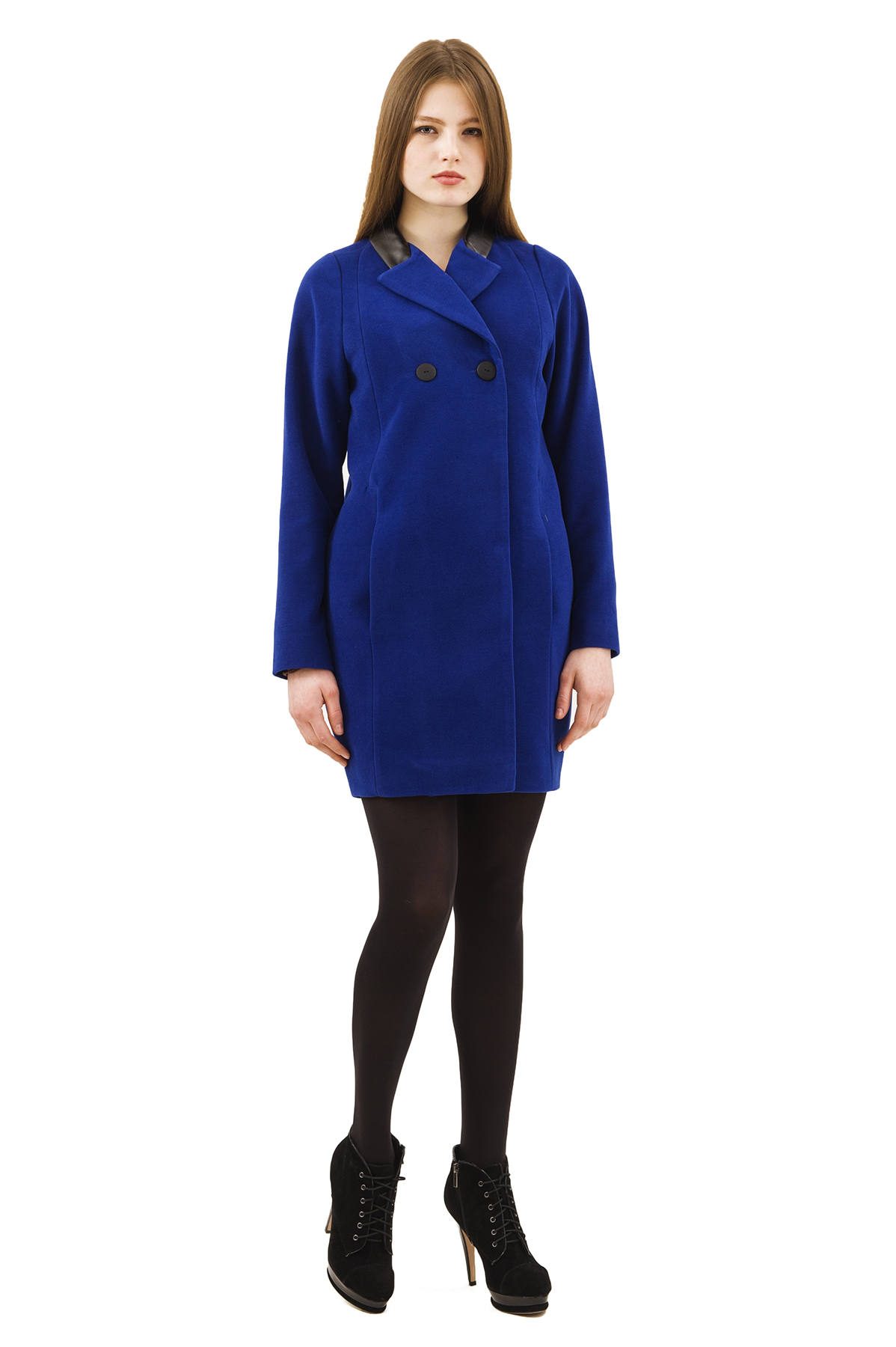 ПальтоЖенские куртки, плащи, пальто<br>Bосхитительный вариант для тех, кто предпочитает стильные решения - элегантное пальтоDoctor Eсдержанного модного дизайна, который подчеркнет Ваш безупречный вкус.<br><br>Цвет: синий<br>Состав: 15% шерсть, 2%эластан, 18%вискоза ,65% полиэстер<br>Размер: 42,44,46,48,50,52,54,56,58,60<br>Страна дизайна: Россия<br>Страна производства: Россия
