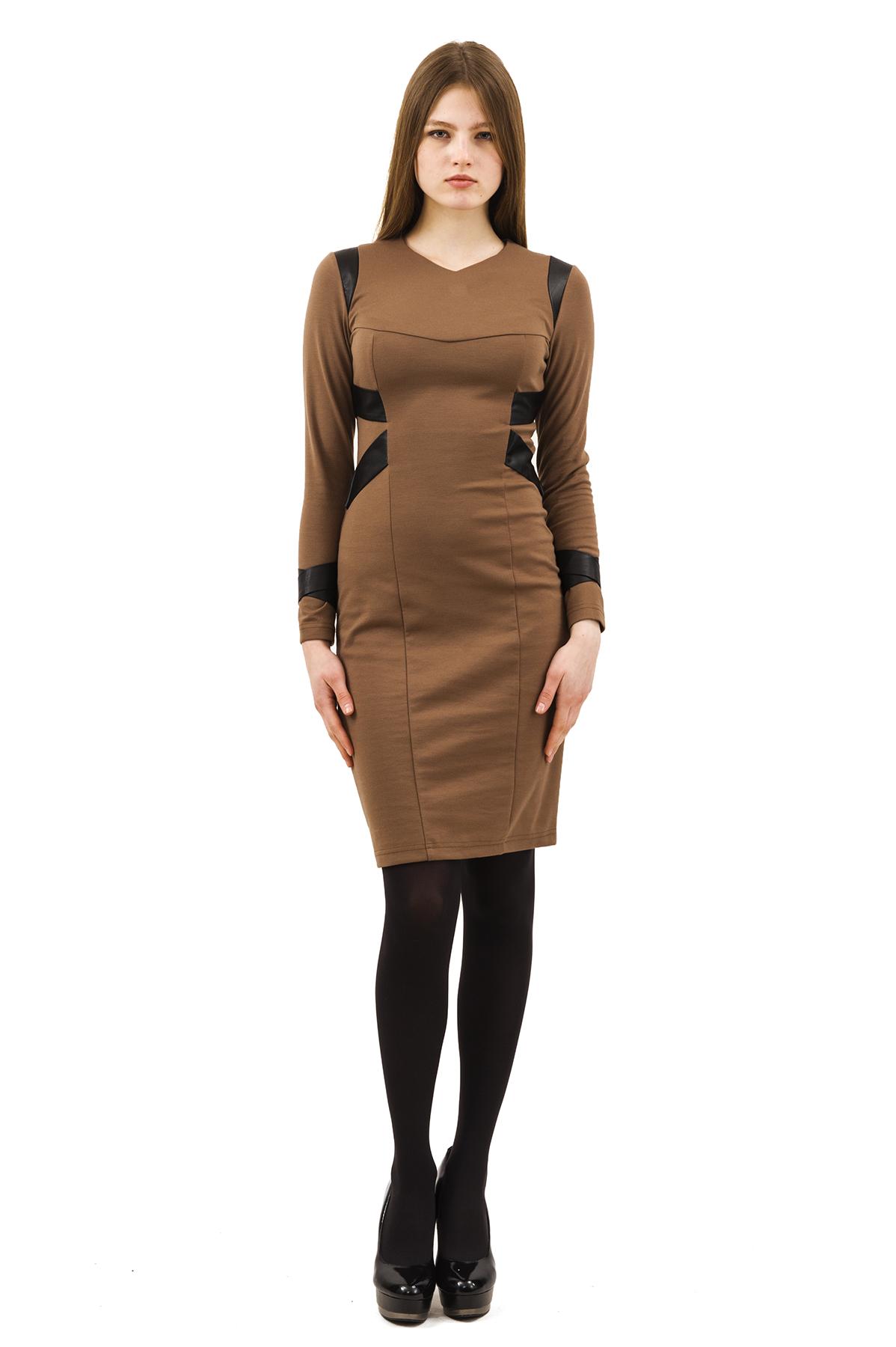ПлатьеПлатья,  сарафаны<br>Изумительное платье яркой расцветки и оригинального дизайна не оставит Вас незамеченной среди окружающих.<br><br>Цвет: коричневый<br>Состав: 60% вискоза, 35% полиэстер, 5% лайкра<br>Размер: 40,42,44,46,48,50,52,54,56,58<br>Страна дизайна: Россия<br>Страна производства: Россия