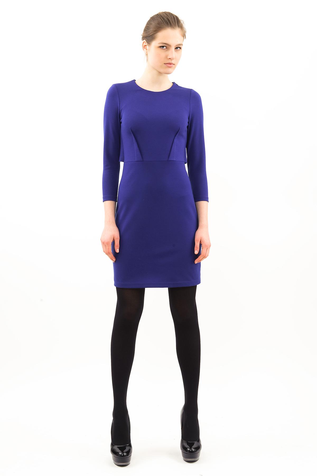 ПлатьеПлатья,  сарафаны<br>Эффектное платье.Изделие с округлым вырезом горловины. Модель станет замечательным дополнением к Вашему гардеробу.<br><br>Цвет: синий<br>Состав: 60% вискоза, 35% полиэстер, 5% лайкра<br>Размер: 42,44,46,48,50,52,54,56<br>Страна дизайна: Россия<br>Страна производства: Россия