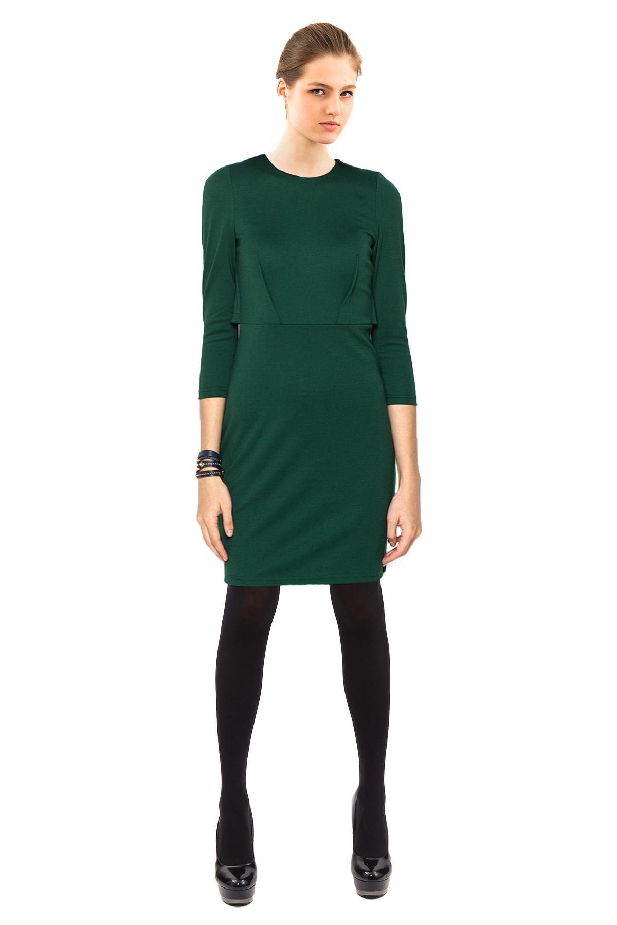 ПлатьеПлатья,  сарафаны<br>Эффектное платье.Изделие с округлым вырезом горловины. Модель станет замечательным дополнением к Вашему гардеробу.<br><br>Цвет: зеленый<br>Состав: 60% вискоза, 35% полиэстер, 5% лайкра<br>Размер: 42,44,46,48,50,52,54<br>Страна дизайна: Россия<br>Страна производства: Россия