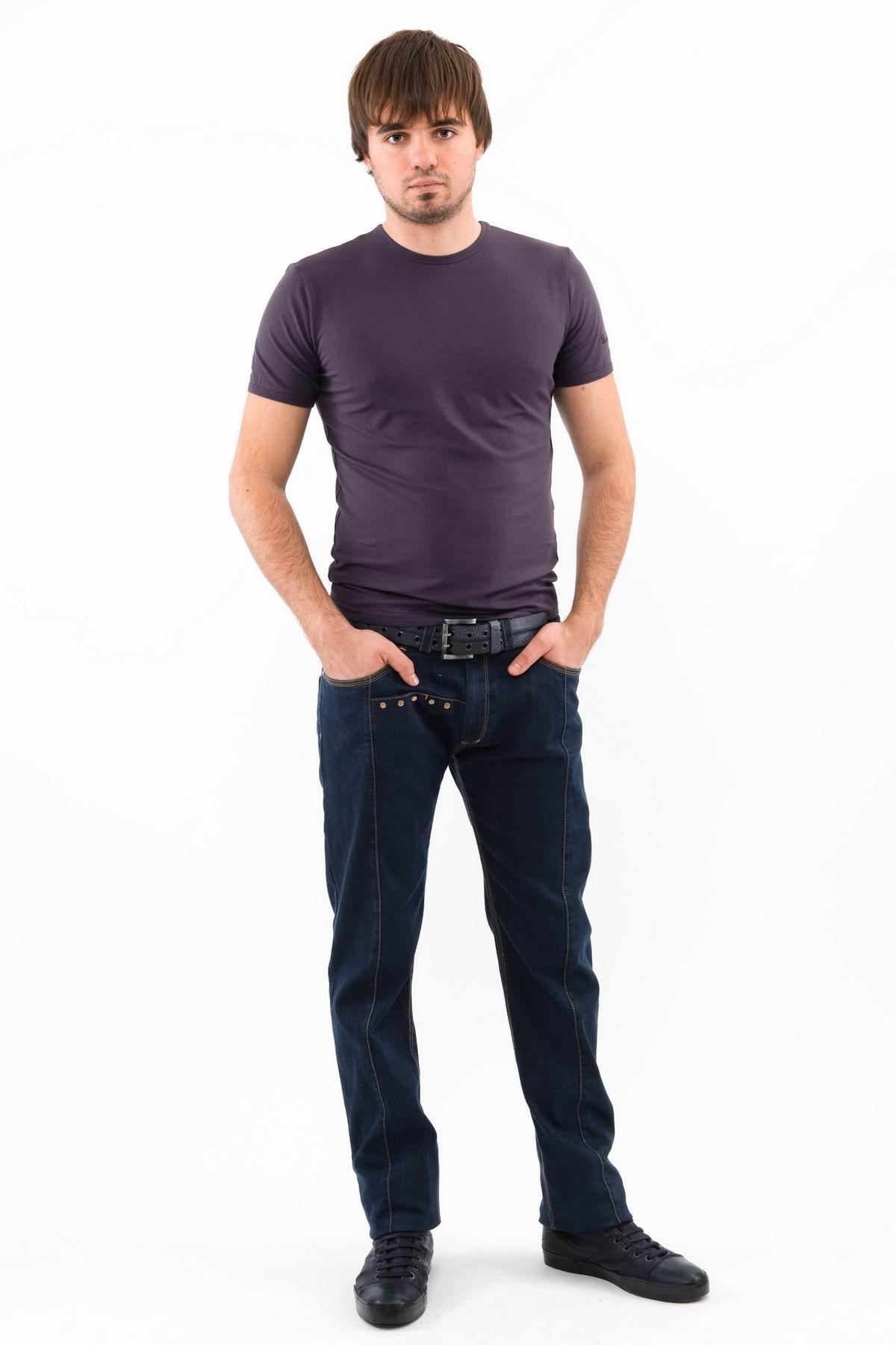ФутболкаМужские футболки, джемпера<br>Футболка – это удобный выбор на каждый день, поэтому она должна быть яркой и стильной, чтобы привнести в повседневный образ красок. Округлый вырез горловины, короткие рукава, эффектный принт - все это футболка Doctor E, из высококачественного трикотажа.<br><br>Цвет: темно-серый<br>Состав: 92% хлопок 8% лайкра<br>Размер: 44,46,48,50,52,54,56,58,60<br>Страна дизайна: Россия<br>Страна производства: Россия