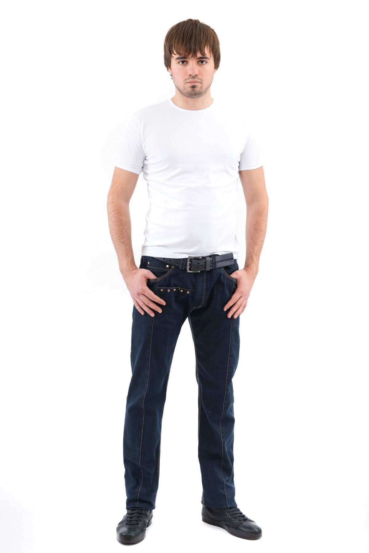 ФутболкаМужские футболки, джемпера<br>Футболка – это удобный выбор на каждый день, поэтому она должна быть яркой и стильной, чтобы привнести в повседневный образ красок. Округлый вырез горловины, короткие рукава, эффектный принт - все это футболка Doctor E, из высококачественного трикотажа.<br><br>Цвет: белый<br>Состав: 92% хлопок 8% лайкра<br>Размер: 52,54,56,58,60<br>Страна дизайна: Россия<br>Страна производства: Россия