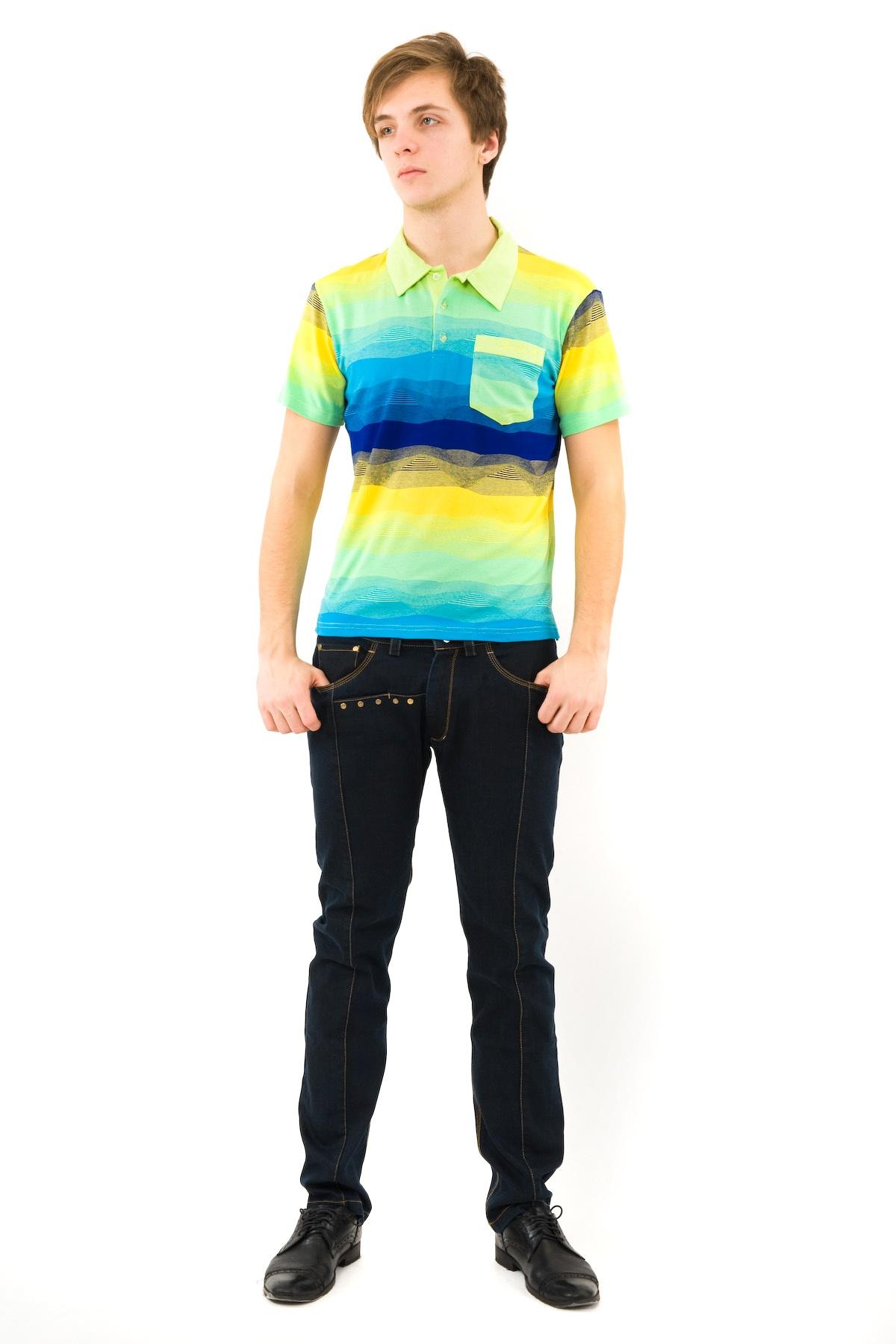 ПолоМужские футболки, джемпера<br>Эффектная футболка с воротником-поло и короткими руквами. Футболка-поло отличается тем, что ее покрой подходит и для молодежи и для людей старшего возраста, это традиционная модель. Выполнена из пестровязанного французского трикотажа.<br><br>Цвет: синий,желтый,зеленый<br>Состав: 95% вискоза, 5% лайкра<br>Размер: 44,48,58,60<br>Страна дизайна: Россия<br>Страна производства: Россия