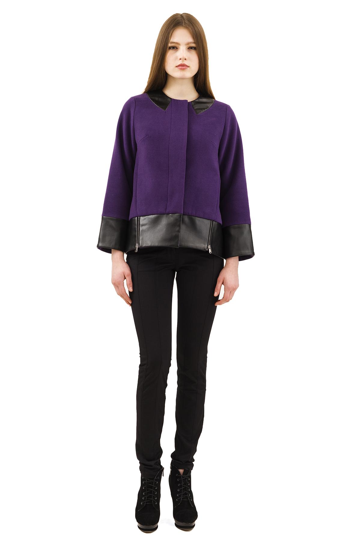 КурткаЖенские куртки, плащи, пальто<br>Стильная куртка для современных жительниц мегаполиса. Выполнена из высококачественного комфортного материала. Эта вещь станет идеальным вариантом для создания современного образа любой девушки.<br><br>Цвет: фиолетовый<br>Состав: 15% шерсть, 2%эластан, 18%вискоза ,65% полиэстер<br>Размер: 40,42,44,46,48,50,52,54,56,58<br>Страна дизайна: Россия<br>Страна производства: Россия