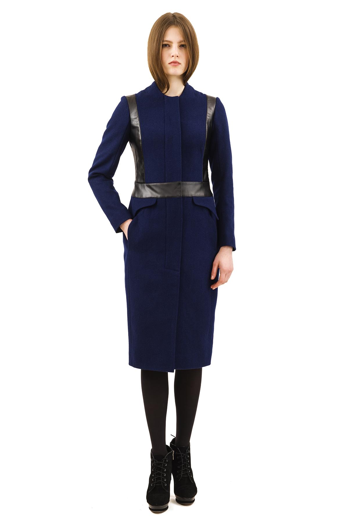 ПальтоЖенские куртки, плащи, пальто<br>Bосхитительный вариант для тех, кто предпочитает стильные решения - элегантное пальтоDoctor Eсдержанного модного дизайна, который подчеркнет Ваш безупречный вкус.<br><br>Цвет: синий<br>Состав: 60% шерсть, 40% полиэстер<br>Размер: 40,44,46,48,50,54,56,58<br>Страна дизайна: Россия<br>Страна производства: Россия