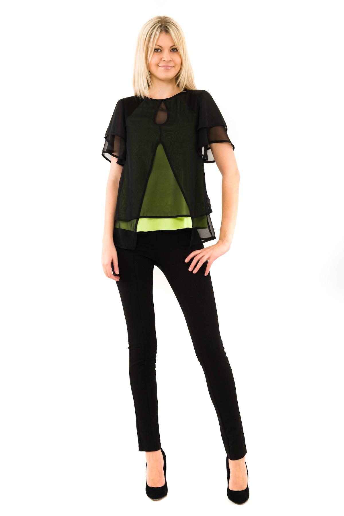 БлузаЖенские блузки<br>Привлекательная блузка создаст шикарный образ. Модель приталенного кроя выполнена с оригинальным многослойным эффектом. Будьте бесподобны в этом эффектном изделии.<br><br>Цвет: черный,лайм<br>Состав: 100% полиэстер<br>Размер: 40,42,44,46,48,50,52,54,56,58,60<br>Страна дизайна: Россия<br>Страна производства: Россия