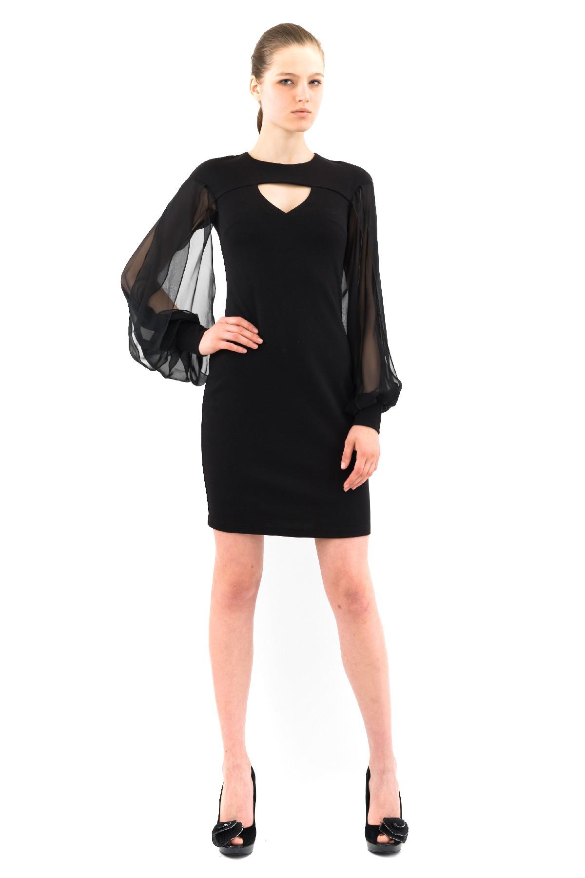 ПлатьеПлатья,  сарафаны<br>Восхитительное платье с шифоновыми рукавами и длиной чуть выше колен. Модель эффектной классической расцветки смотрится привлекательно и модно. Выполнено из превосходного сочетания двух тканей.<br><br>Цвет: черный<br>Состав: ткань1-60%вискоза, 35%полиэстер, 5%лайкра, ткань2-100%полиэстер<br>Размер: 56,58<br>Страна дизайна: Россия<br>Страна производства: Россия