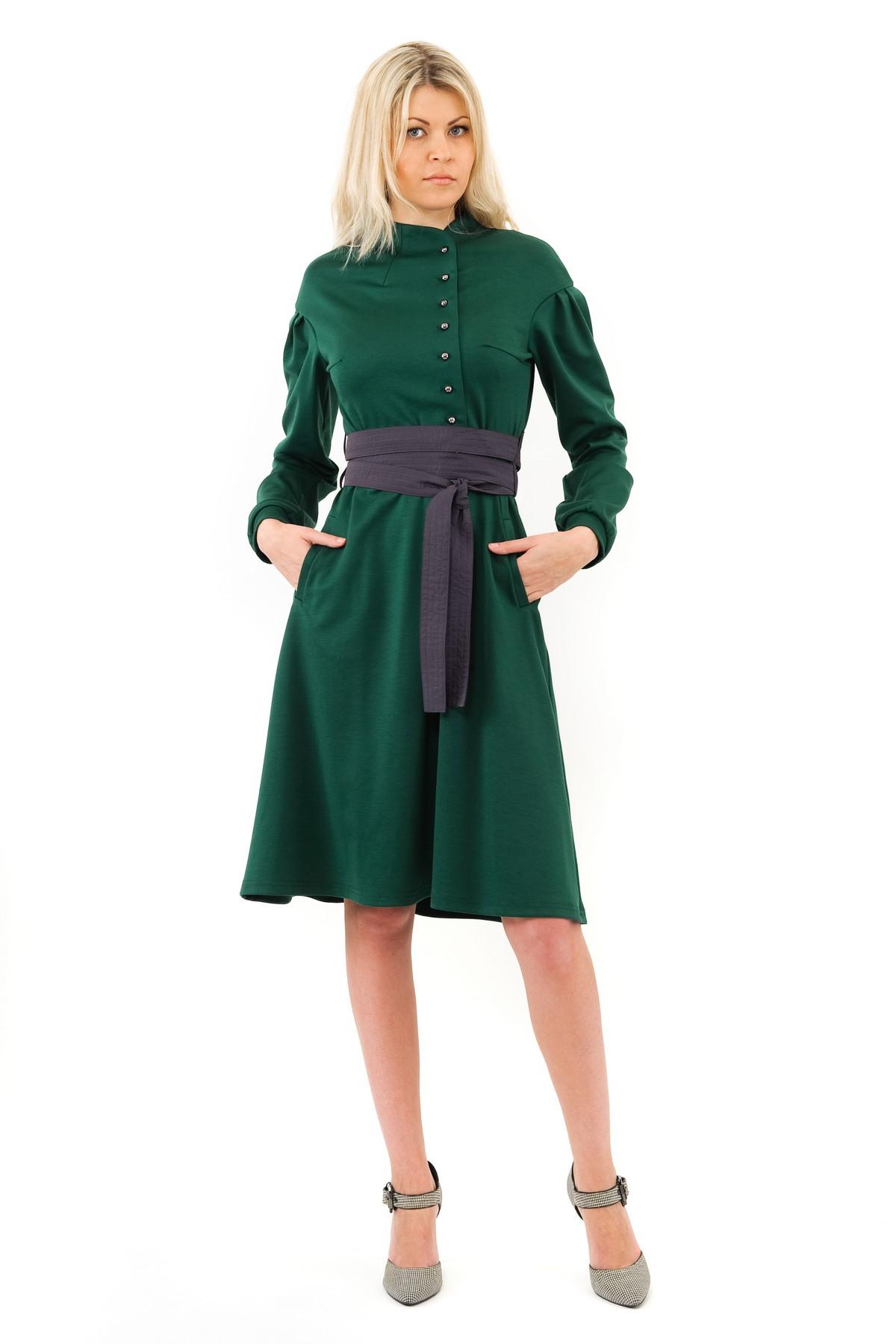 ПлатьеПлатья,  сарафаны<br>Изысканное трикотажное платье макси-длины преобразит любую девушку, придав ее образу неповторимую чувственность. Добавьте в свой гардероб нотку настоящего изысканного шика вместе с этим ярким стильным очаровательным платьем!Коллекция Колонизация дизайн<br><br>Цвет: зеленый<br>Состав: 60% вискоза, 35% полиэстер, 5% лайкра<br>Размер: 40<br>Страна дизайна: Россия<br>Страна производства: Россия
