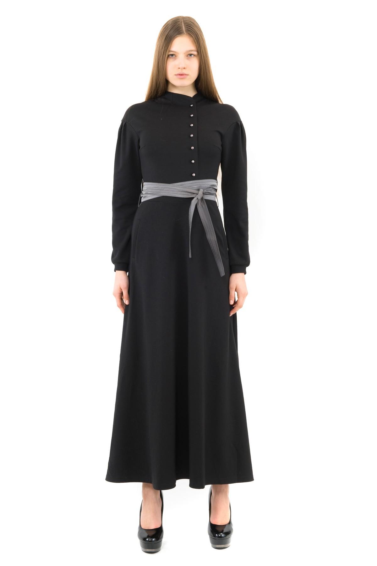 ПлатьеПлатья,  сарафаны<br>Восхитительное платье лаконичного дизайна, выполненное из комфортного высококачественного трикотажного материала. Модель с длинными рукавами и оригинальным вырезом в области декольте. Изделие подчеркнет Ваш женственный силуэт.<br><br>Цвет: черный<br>Состав: 60% вискоза, 35% полиэстер, 5% лайкра<br>Размер: 40,42,44,46,50<br>Страна дизайна: Россия<br>Страна производства: Россия