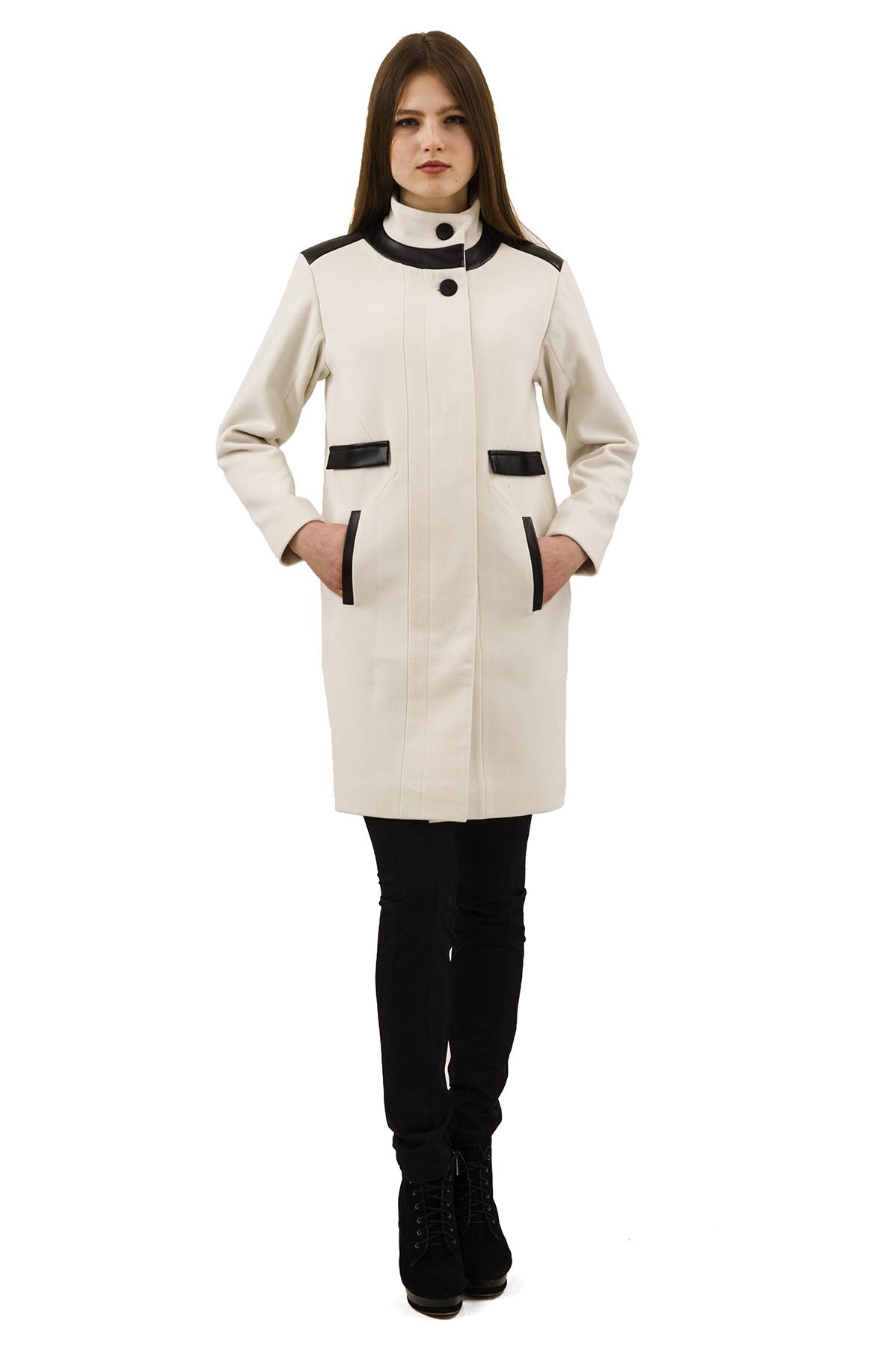 ПальтоЖенские куртки, плащи, пальто<br>Восхитительный вариант для тех, кто предпочитает стильные решения - элегантное пальто сдержанного модного дизайна, который подчеркнет Ваш безупречный вкус. Прекрасный вариант для создания элегантного образа.<br><br>Цвет: молочный<br>Состав: 15% шерсть, 2%эластан, 18%вискоза ,65% полиэстер<br>Размер: 40,42,44,46,48,50,52,54,56,58,60<br>Страна дизайна: Россия<br>Страна производства: Россия