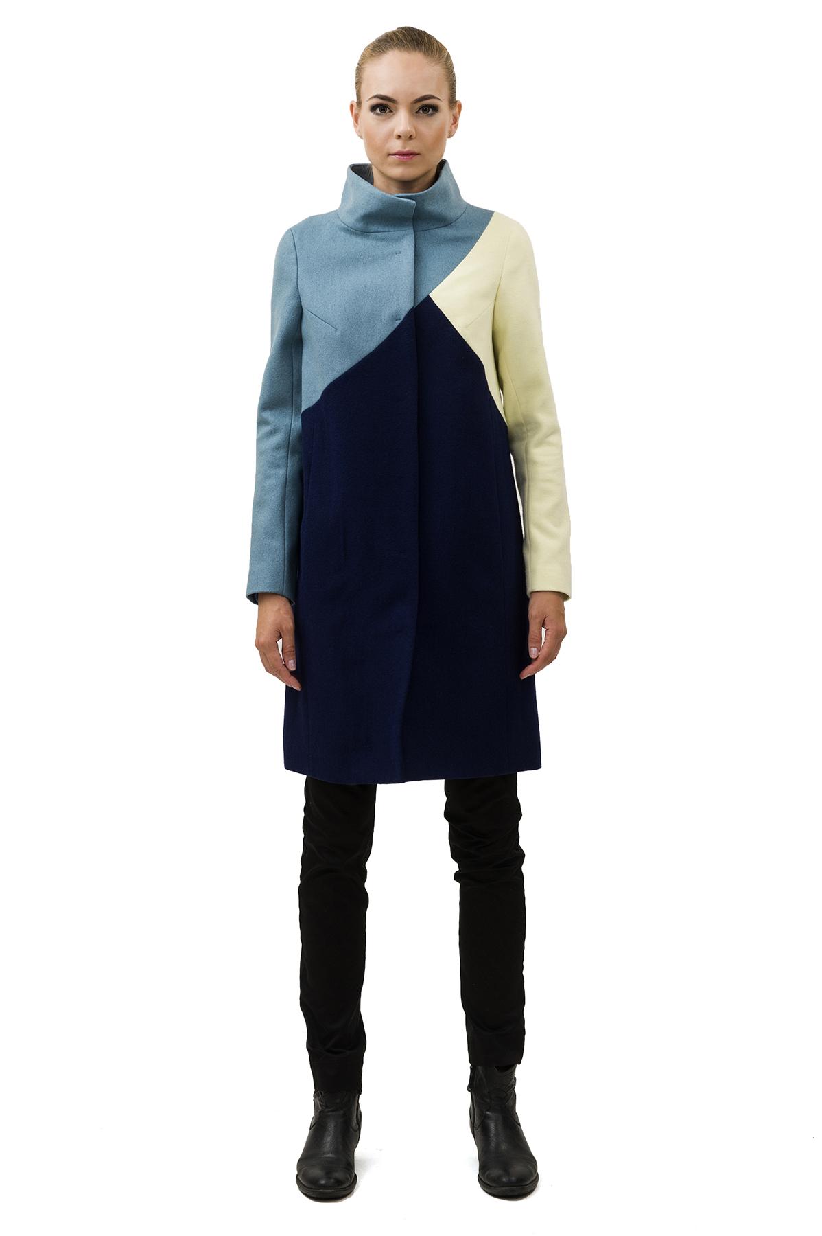ПальтоЖенские куртки, плащи, пальто<br>Восхитительный вариант для тех, кто предпочитает стильные решения - элегантное пальто сдержанного модного дизайна, который подчеркнет Ваш безупречный вкус. Прекрасный вариант для создания элегантного образа.<br><br>Цвет: синий,голубой,желтый<br>Состав: 65% полиэстер, 15% шерсть, 18% вискоза, 2% эластан Подкладка: 50% полиэстер, 50% вискоза<br>Размер: 48,50<br>Страна дизайна: Россия<br>Страна производства: Россия