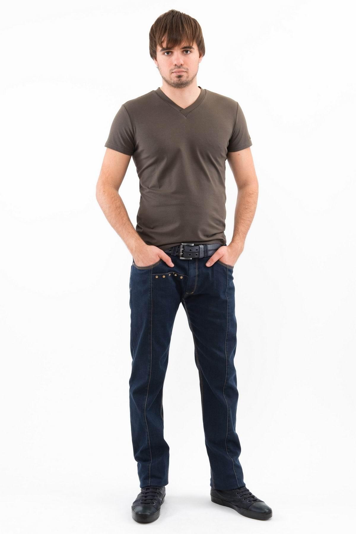 ФутболкаМужские футболки, джемпера<br>Футболка – это удобный выбор на каждый день, поэтому она должна быть яркой и стильной, чтобы привнести в повседневный образ красок. Округлый вырез горловины, короткие рукава - все это футболка Doctor E, из высококачественного трикотажа, не вытягивается по<br><br>Цвет: хаки<br>Состав: 92% хлопок 8% лайкра<br>Размер: 50,52,54,56<br>Страна дизайна: Россия<br>Страна производства: Россия