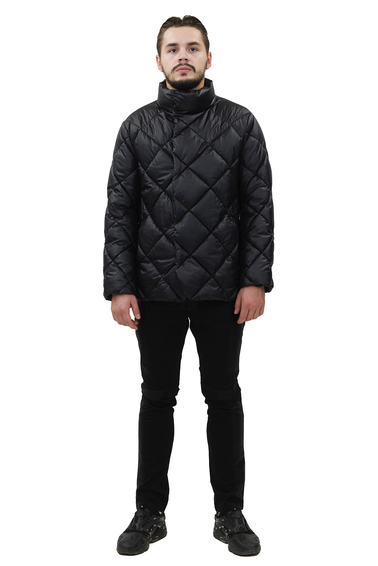 КурткаЗимние мужские куртки, пуховики<br>Модная дизайнерская куртка Doctor E - отличный вариант для стильных и уверенных в себе мужчин. Интересная фактура ткани не оставит Вас равнодушным к этой модели.<br><br>Цвет: черный<br>Состав: 100% полиэстер Утеплитель: синтепух<br>Размер: 44<br>Страна дизайна: Россия<br>Страна производства: Россия