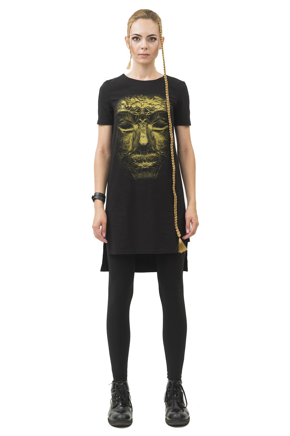 ПлатьеПлатья,  сарафаны<br>Платье Pavel Yerokin выполнено из мягкого текстиля с высоким содержанием хлопка. Особенности: удлиненный прямой крой, круглый вырез, принт бронзовая маска.<br><br>Цвет: черный<br>Состав: Хлопок - 92%, Эластан - 8%<br>Размер: 40,42,44,46,48,50,52<br>Страна дизайна: Россия<br>Страна производства: Россия