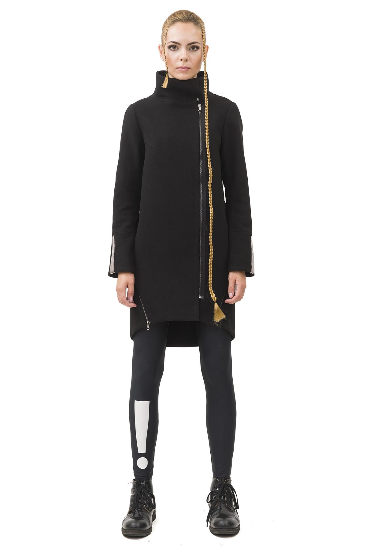 ПальтоЖенские куртки, плащи, пальто<br>Пальто  Pavel Yerokin выполнено из кашемира. Особенности: длинные молнии в качестве элементов отделки, отстегивающийся рюкзак на спине из серебряной плащевой ткани, свободный крой, застежка на молнии, закругленный асимметричный низ.<br><br>Цвет: черный<br>Состав: Материал 1 - Полиэстер - 65%, Вискоза - 18%, Шерсть - 15%,  Эластан - 2%  Материал 2 - Полиэстер - 100%<br>Размер: 40,42,44,46,48,50<br>Страна дизайна: Россия<br>Страна производства: Россия