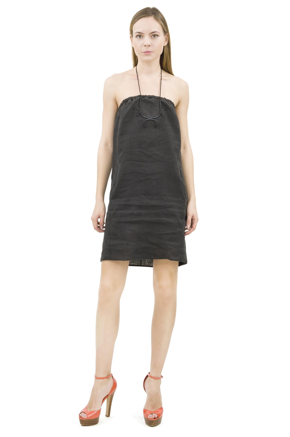СарафанПлатья,  сарафаны<br>Платье бренда Pavel Yerokin выполнено из европейского льна. Детали: прямой силуэт, регулируемый шнур на шее, эластичный верх с завязкой, вышивка на груди, два кармана по бокам.<br><br>Цвет: черный<br>Состав: 100% лен<br>Размер: 40,42,44,46,48,50<br>Страна дизайна: Россия<br>Страна производства: Россия