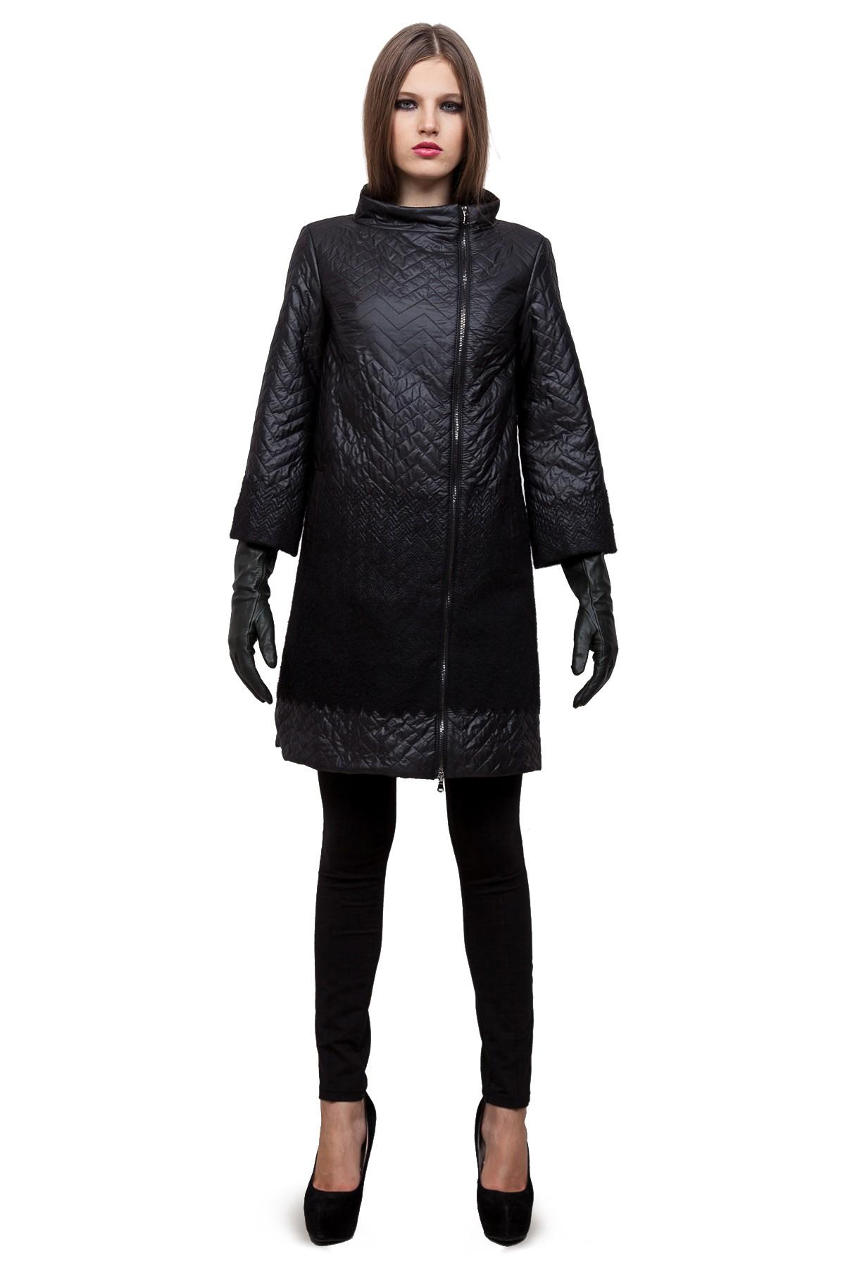 ПальтоЖенские куртки, плащи, пальто<br>Пальто от Doctor E - стильный и комфортный выбор. Шерсть, которая входит в состав, надежно сохраняет тепло. Лаконичное черное пальто с ассиметричным расположением молнии. Отличный выбор для современной жительницы мегаполиса.<br><br>Цвет: черный<br>Состав: 38%шерсть,62%полиэстер,  подкладка - 100%полиэстер<br>Размер: 46,52,54,56,60<br>Страна дизайна: Россия<br>Страна производства: Россия