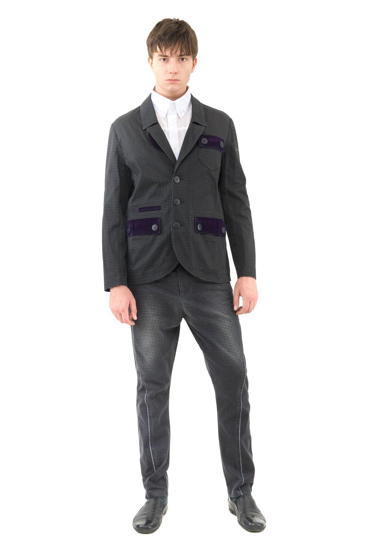 ПиджакПиджаки, жилеты<br>Стильный пиджак подчеркнет Ваш изысканный вкус. Выполнен с центральной застежкой на пуговицы. Изделие порадует Вас высоким качеством исполнения. Отличный вариант для создания стиля casual.<br><br>Цвет: черный,фиолетовый<br>Состав: 97% хлопок, 3% эластан<br>Размер: 44,46,48,50<br>Страна дизайна: Россия<br>Страна производства: Россия