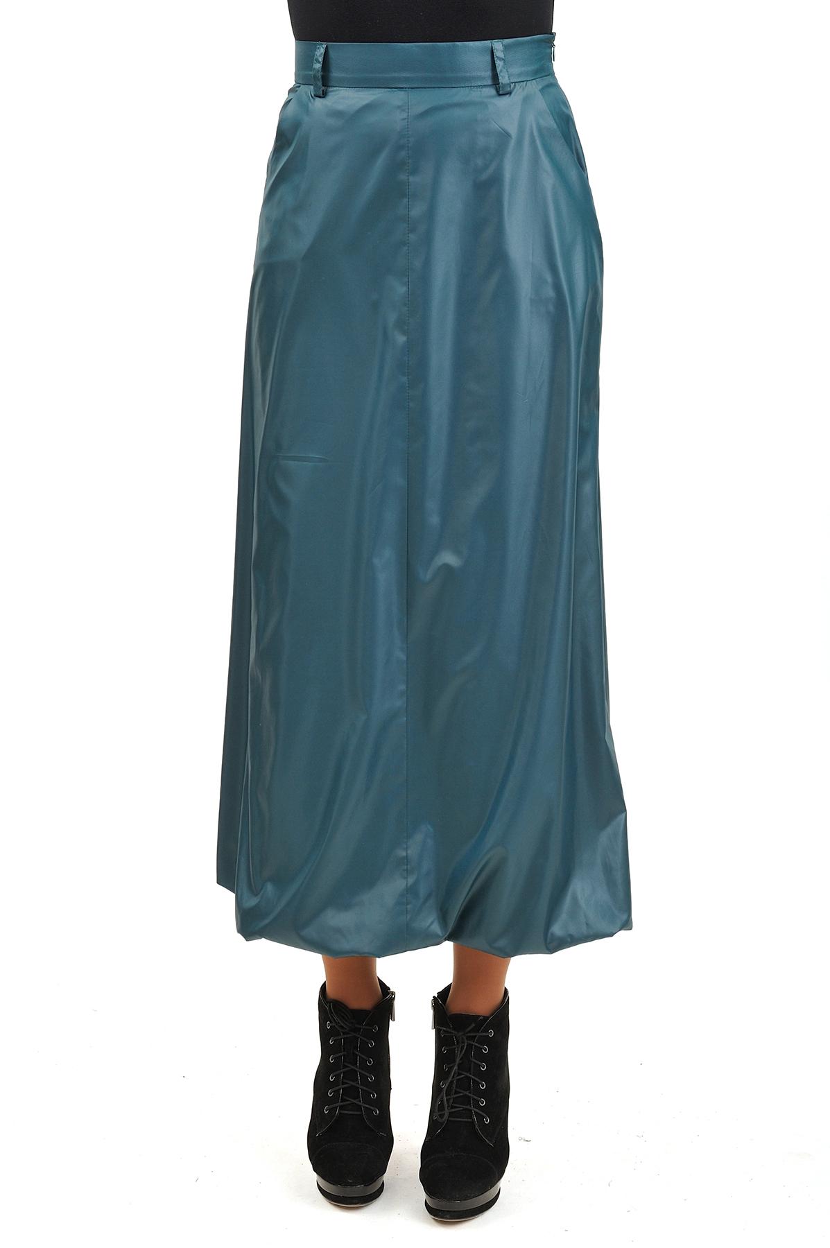 ЮбкаЖенские юбки и брюки<br>Эффектная юбка должна быть в каждом гардеробе и эта модель отвечает всем требованиям современной модницы! Благодаря спокойной однотонной расцветке, юбка превосходно гармонирует с любыми вещами.<br><br>Цвет: зеленый<br>Состав: 100% полиэстер, подкладка: 92% вискоза, 5% лайкра<br>Размер: 42,44,46,48,50,52,54,56<br>Страна дизайна: Россия<br>Страна производства: Россия