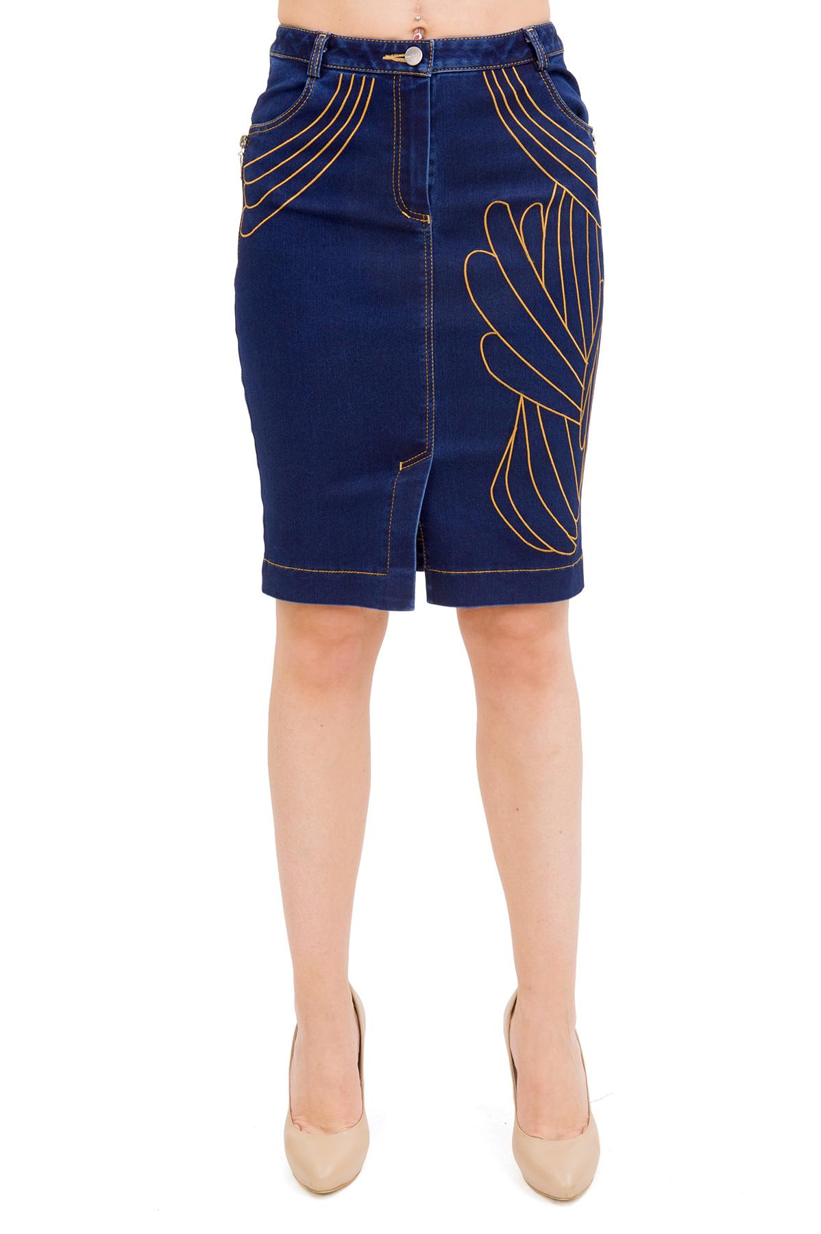 ЮбкаЖенские юбки и брюки<br>Стильная юбка актуальной длины  для ярких и уверенных в своей неотразимости женщин. Изделие прекрасно сочетается со многими элементами гардероба.<br><br>Цвет: синий<br>Состав: 76% хлопок, 21% полиэстер, 3% лайкра<br>Размер: 40,42,44<br>Страна дизайна: Россия<br>Страна производства: Россия