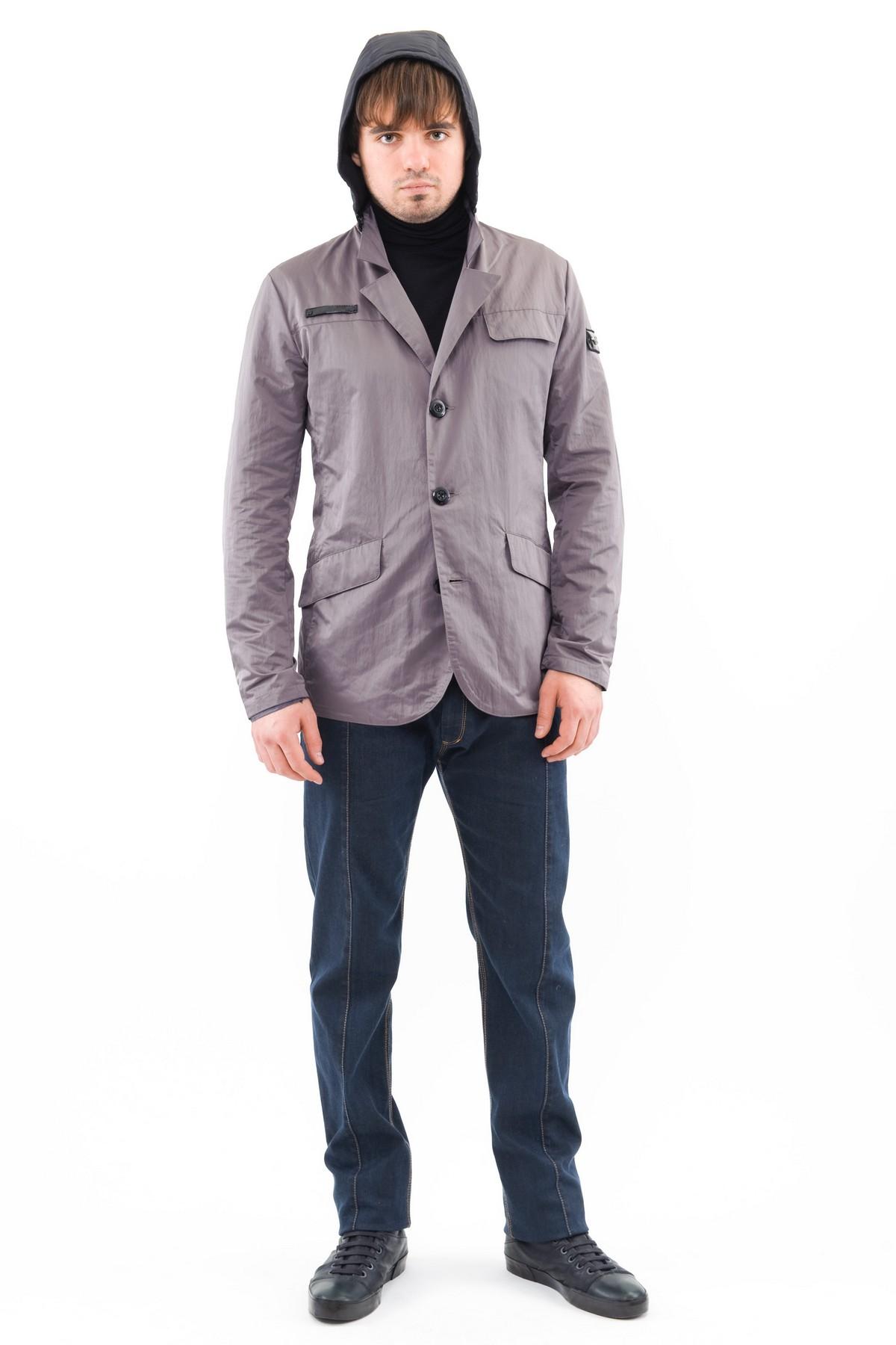 КурткаКуртки, пальто, ветровки<br>Стильная модель мужской курткиспособна выделить Вас из общей толпы.Комфортный вариант на каждый день.<br><br>Цвет: серый<br>Состав: 43% нейлон, 57% полиэстер<br>Размер: 44,46<br>Страна дизайна: Россия<br>Страна производства: Россия