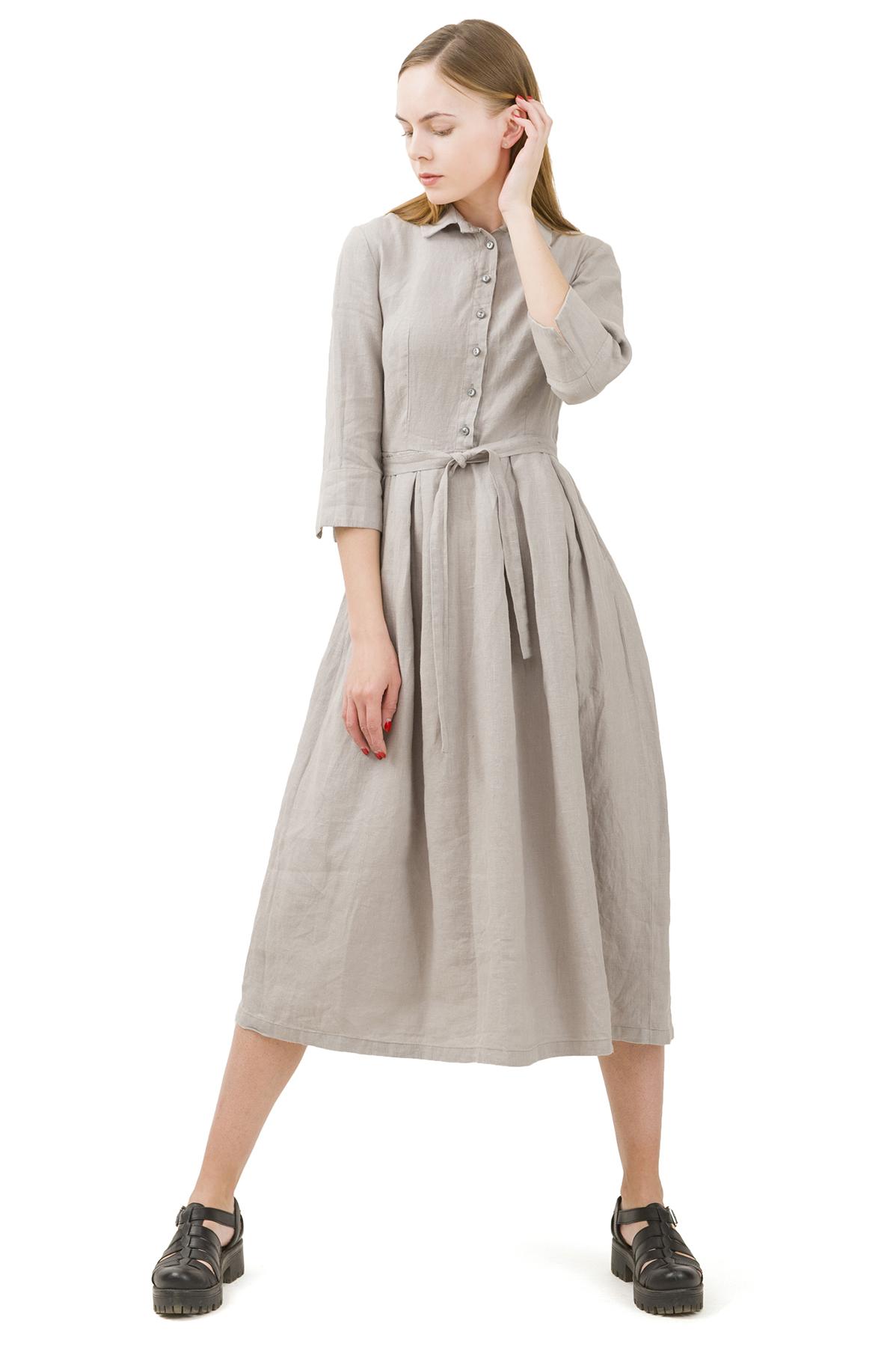 ПлатьеПлатья,  сарафаны<br>Стильное платье выполнено из натуральной ткани - льна. Данная модель удачно подчеркнет красоту Вашей фигуры, а яркая расцветка  не оставит Вас незамеченной.<br><br>Цвет: серый<br>Состав: 100% лен<br>Размер: 40,42,44,46,48,50,52<br>Страна дизайна: Россия<br>Страна производства: Россия