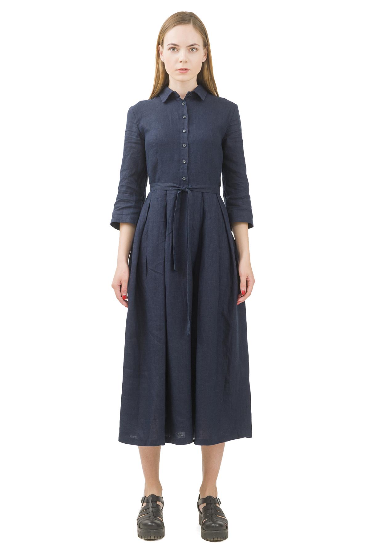 ПлатьеПлатья,  сарафаны<br>Стильное платье выполнено из натуральной ткани - льна. Данная модель удачно подчеркнет красоту Вашей фигуры, а яркая расцветка  не оставит Вас незамеченной.<br><br>Цвет: темно-синий<br>Состав: 100% лен<br>Размер: 40,42,44,46,48,50<br>Страна дизайна: Россия<br>Страна производства: Россия