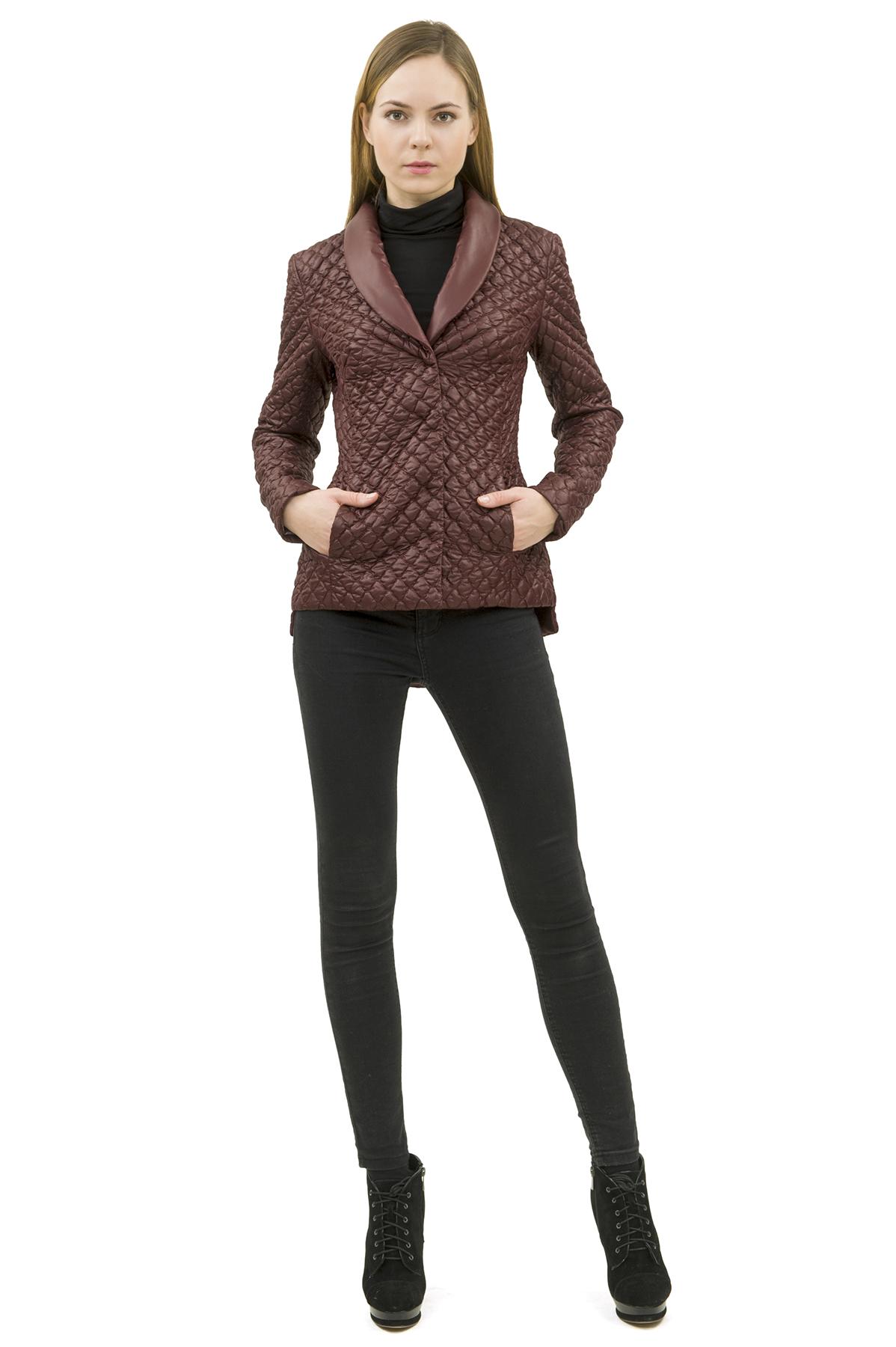 КурткаЖенские куртки, плащи, пальто<br>Стильная модель женской курткиспособна выделить Вас из общей толпы.Комфортный вариант на каждый день.<br><br>Цвет: бордовый<br>Состав: 100% полиэстер<br>Размер: 40,42,44,46,48,50,52<br>Страна дизайна: Россия<br>Страна производства: Россия