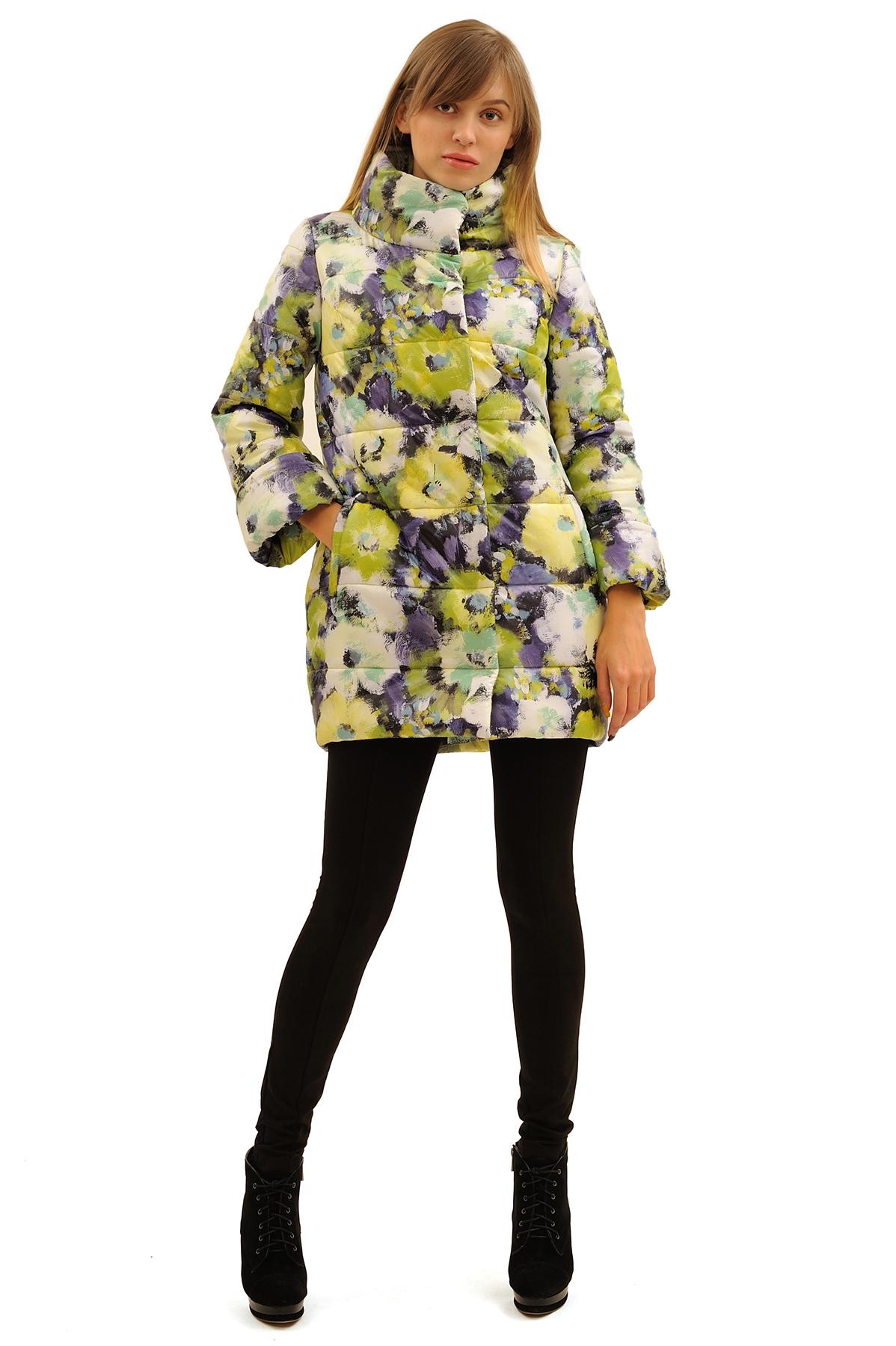ПальтоЗимние куртки, пальто, пуховики<br>В холодный зимний день очень важно ощущение тепла и комфорта. Это тепло может подарить Вам это очаровательное полупальто. модель прекрасно сидит по фигуре. Оригинальность пальто заключается в модной яркой расцветке.<br><br>Цвет: зеленый,фиолетовый<br>Состав: 100% полиэстер, подкладка - 100% полиэстер, утеплитель - 100% полиэстер (синтепон)<br>Размер: 52,58,60<br>Страна дизайна: Россия<br>Страна производства: Россия
